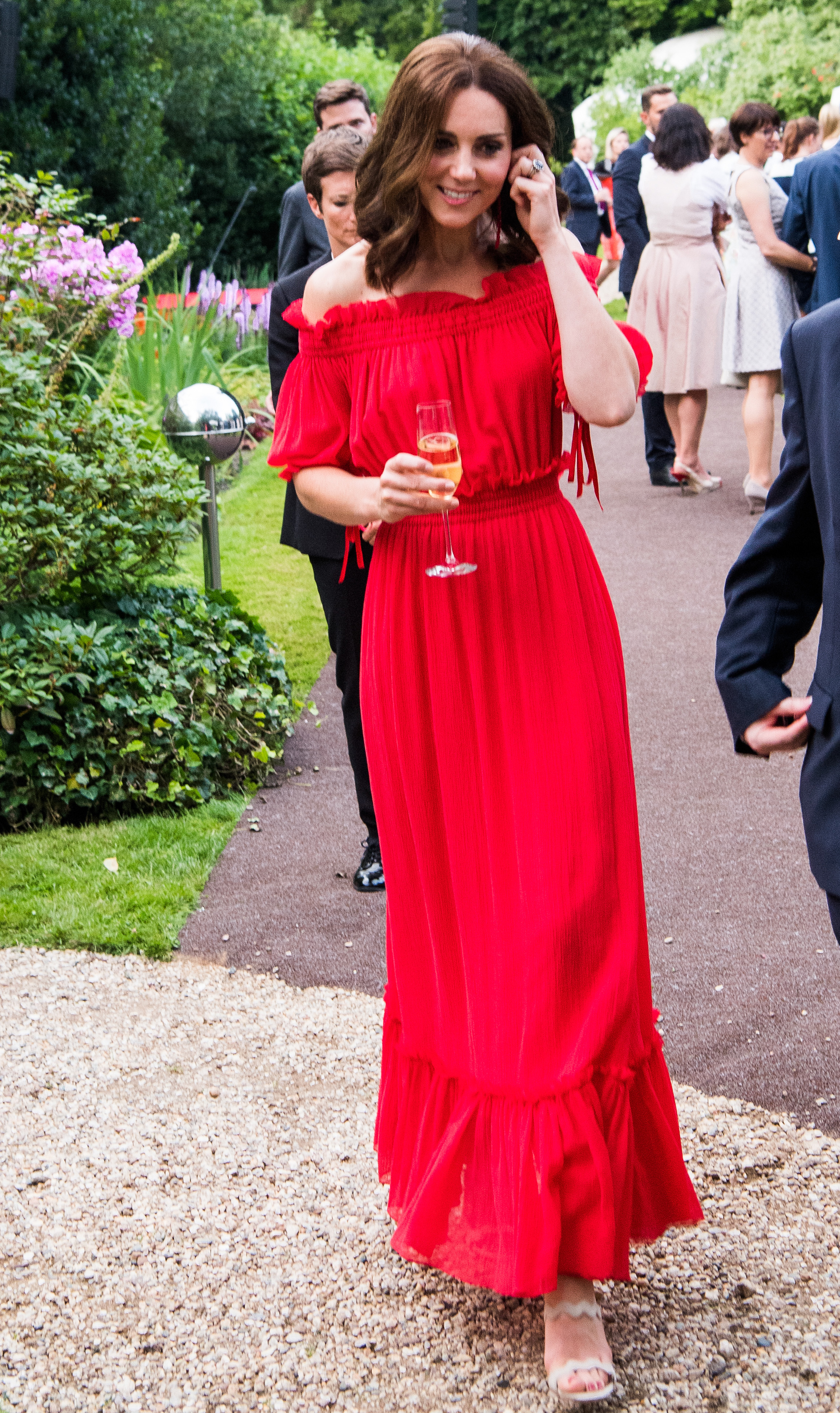 cdc9adf93 Kate Middleton looks radiant in red for her mother's birthday party ...