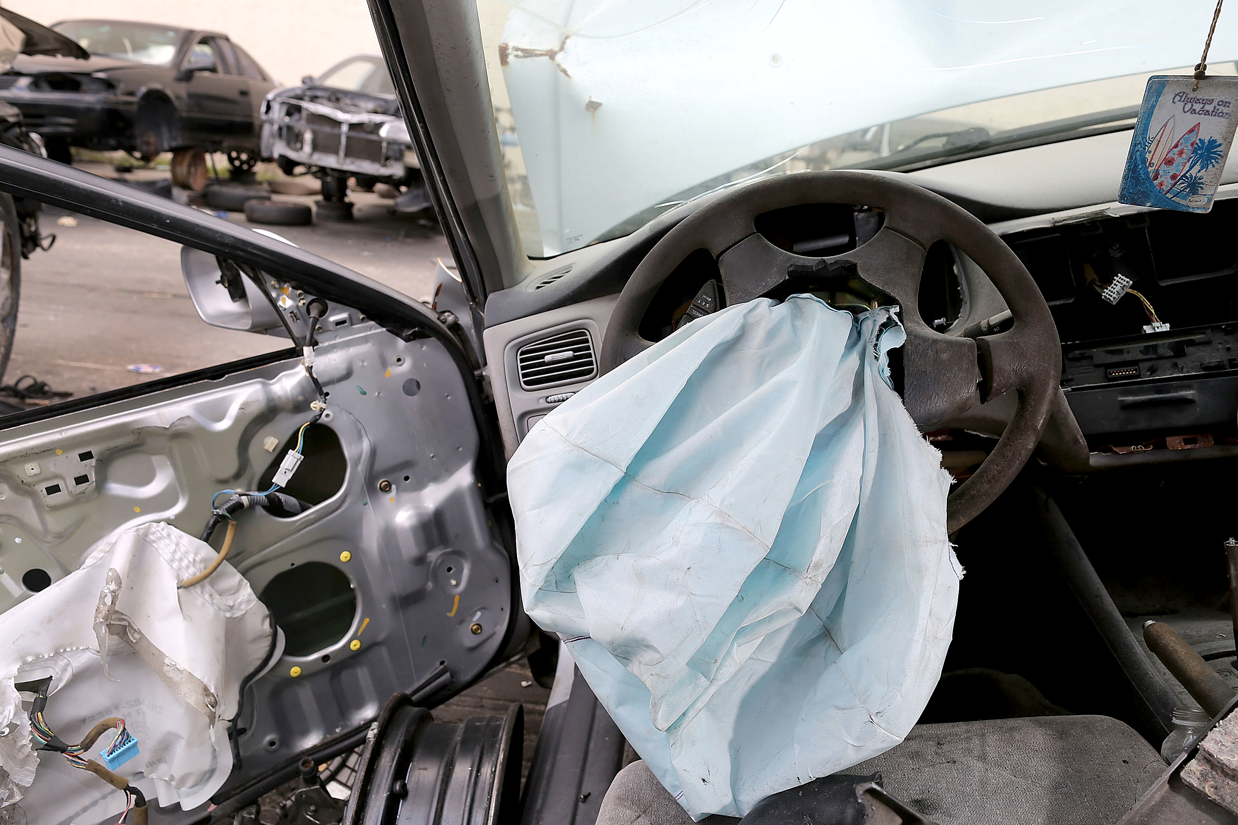 Automakers recall 1.7 million cars with deadly airbags