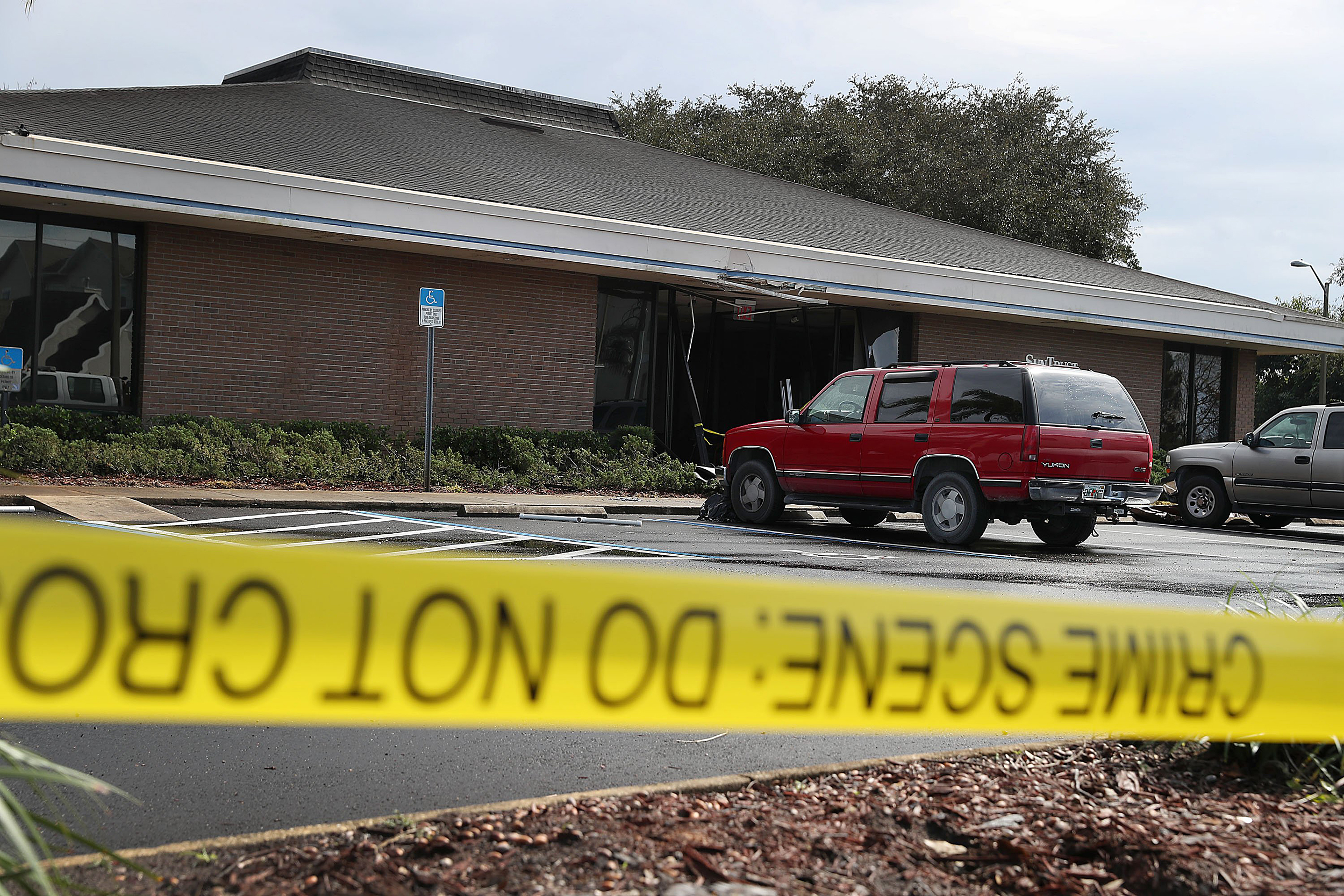 Suspect in SunTrust bank shooting in Florida faces death penalty