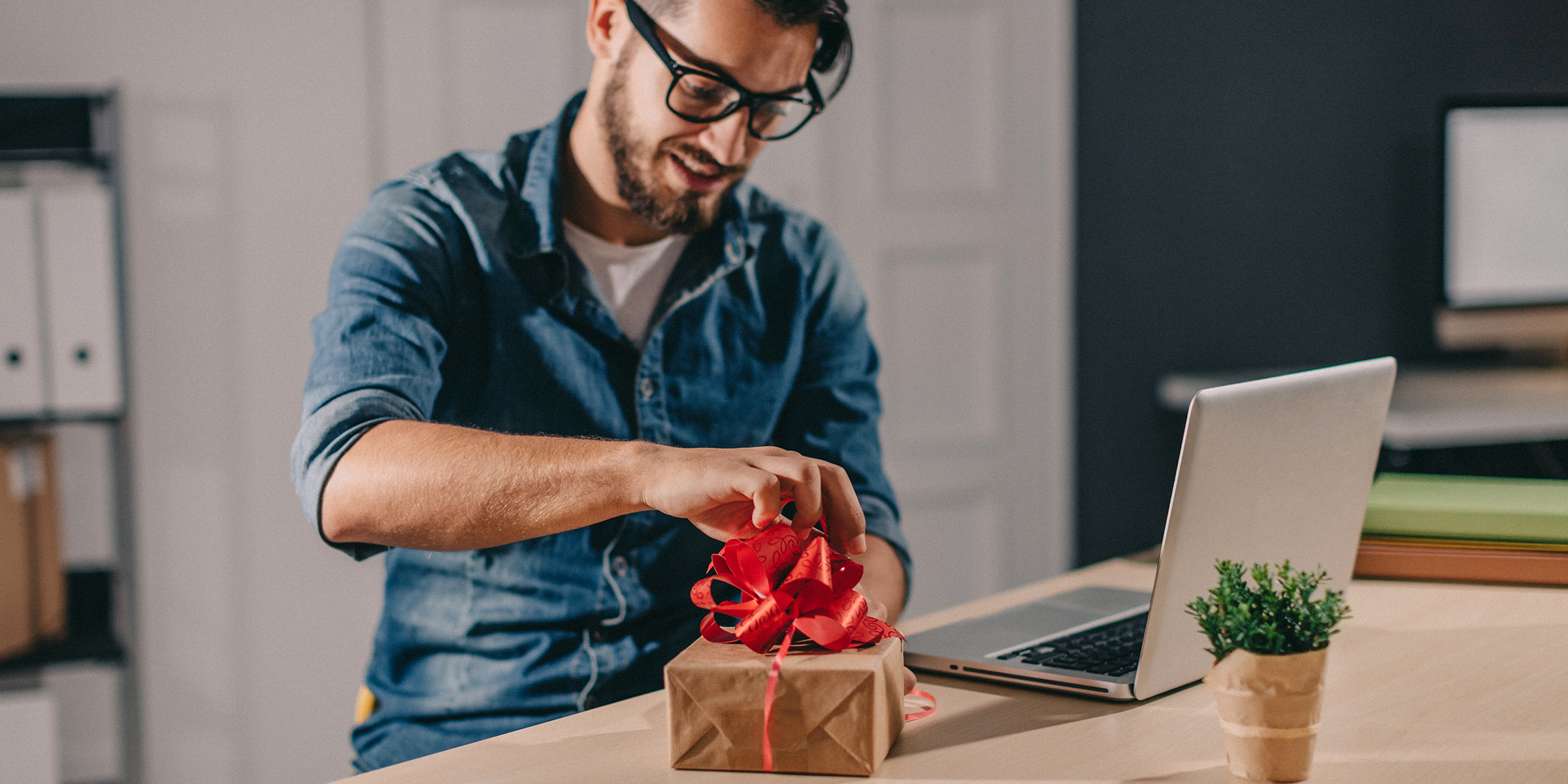 Christmas Gifts For Techies.32 Of The Best Tech Gifts Of 2019