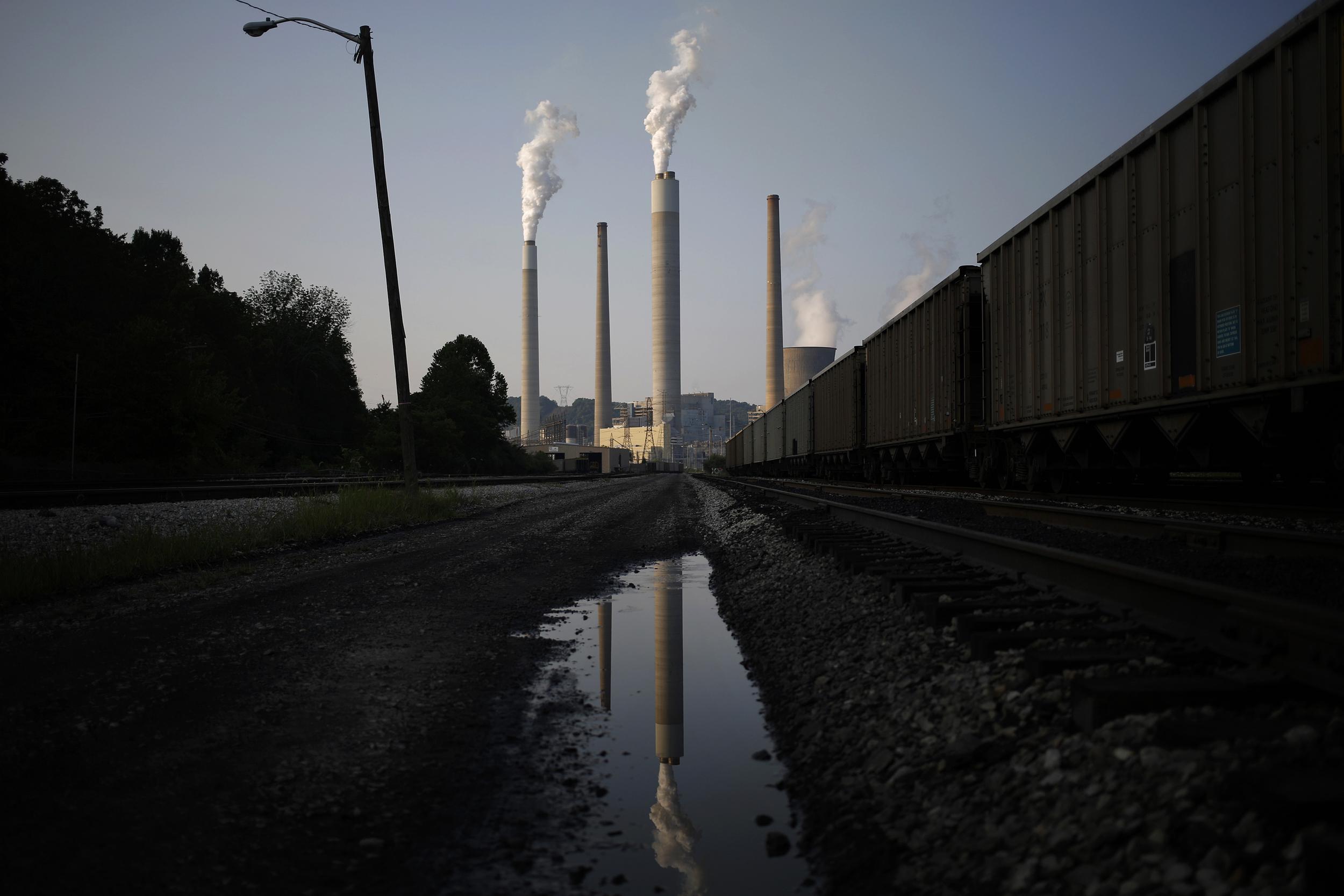 Senators launch bipartisan climate change initiative