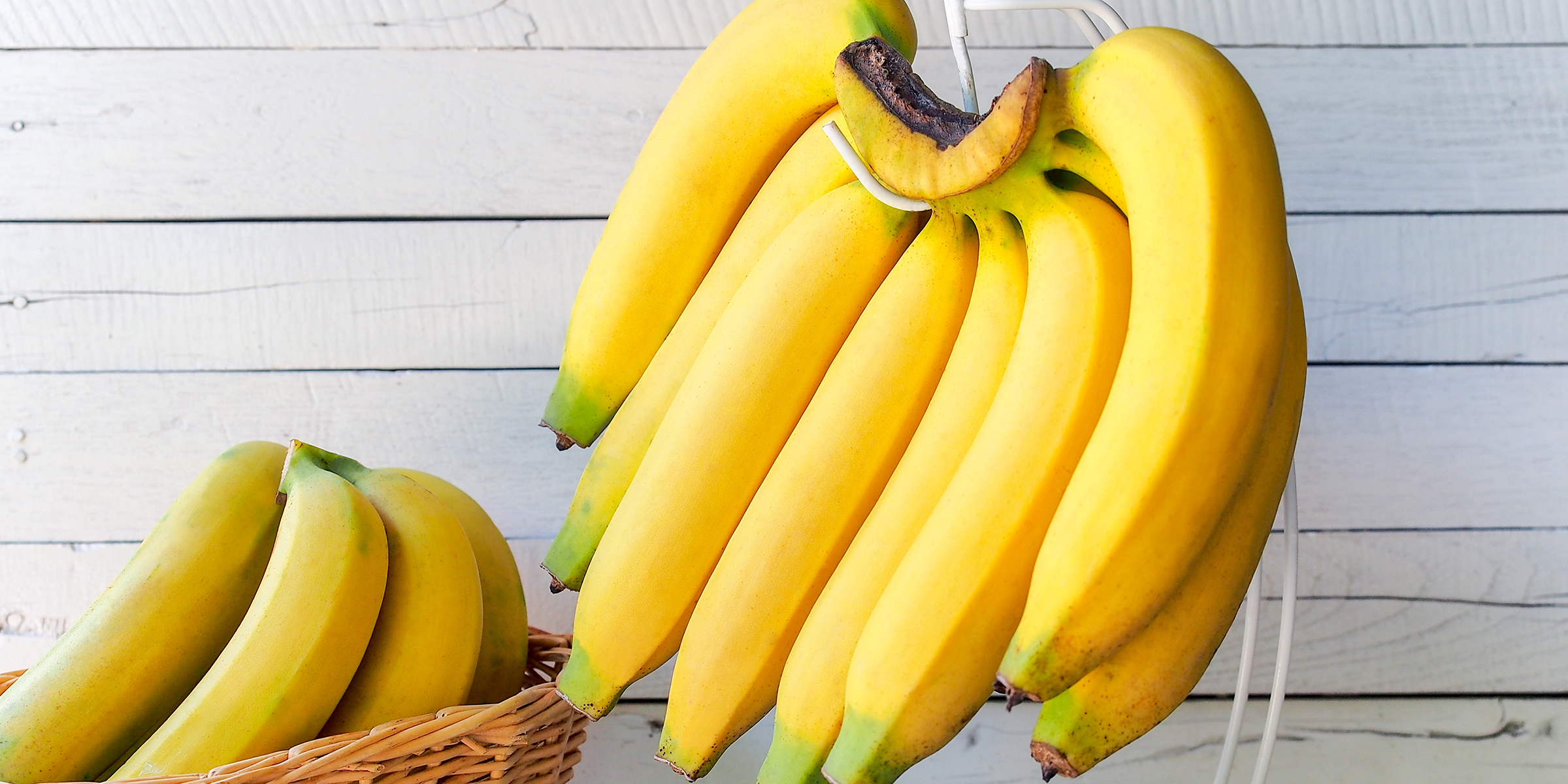 Best tips to keep bananas from turning brown and ripening