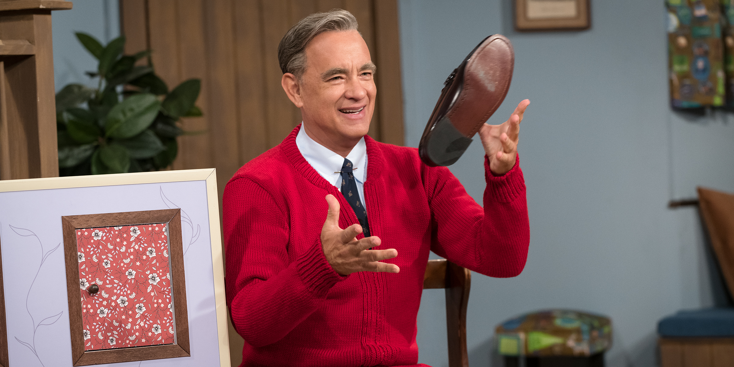 New Photo Of Tom Hanks As Mister Rogers Will Give You All The Feels