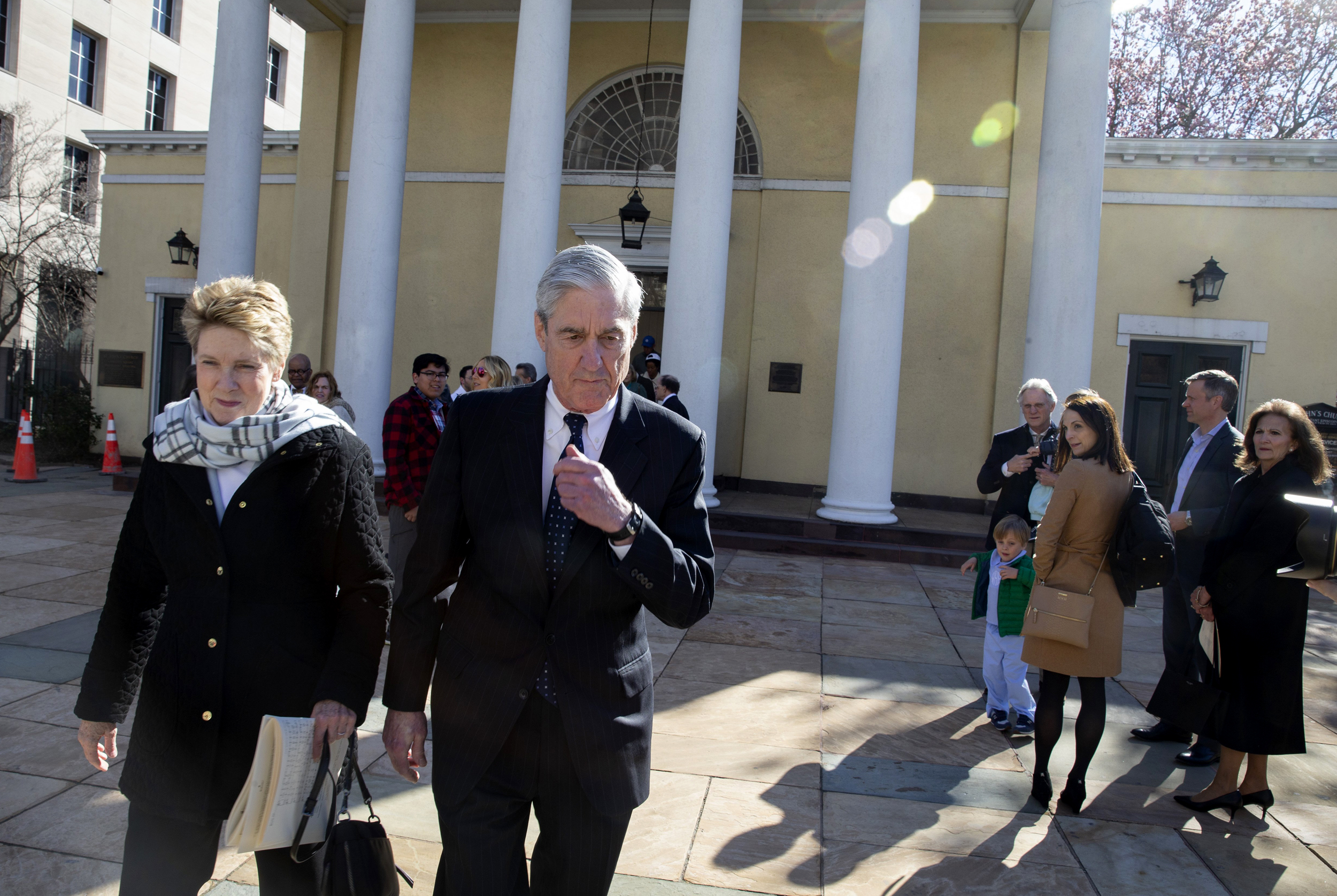 nbcnews.com - Many questions surround Mueller's handling of the obstruction of justice issue