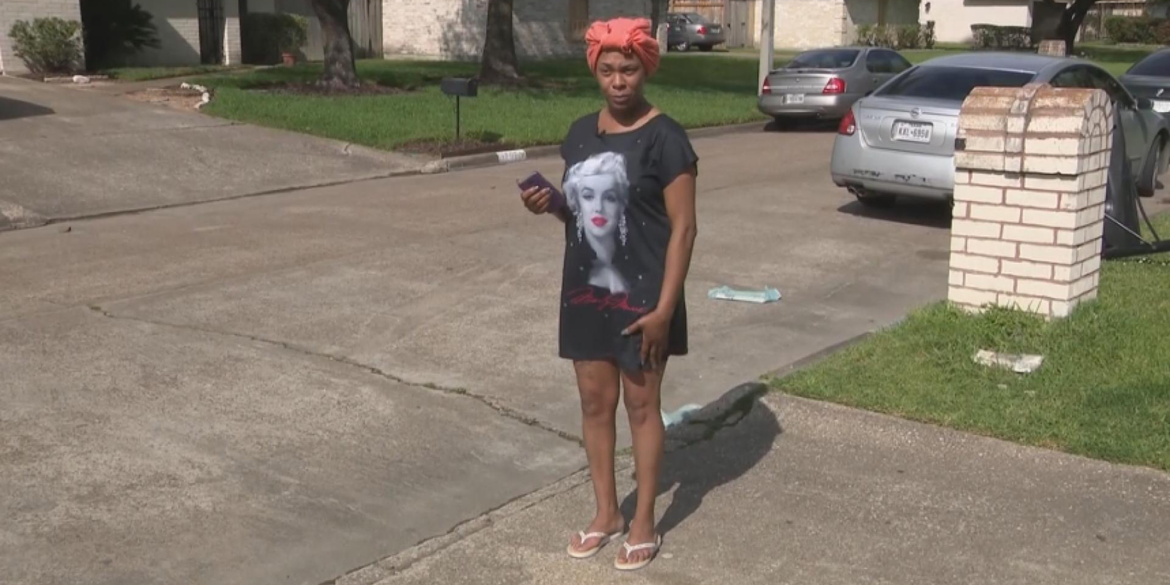 Dress code for parents? Mom says school turned her away because of her outfit