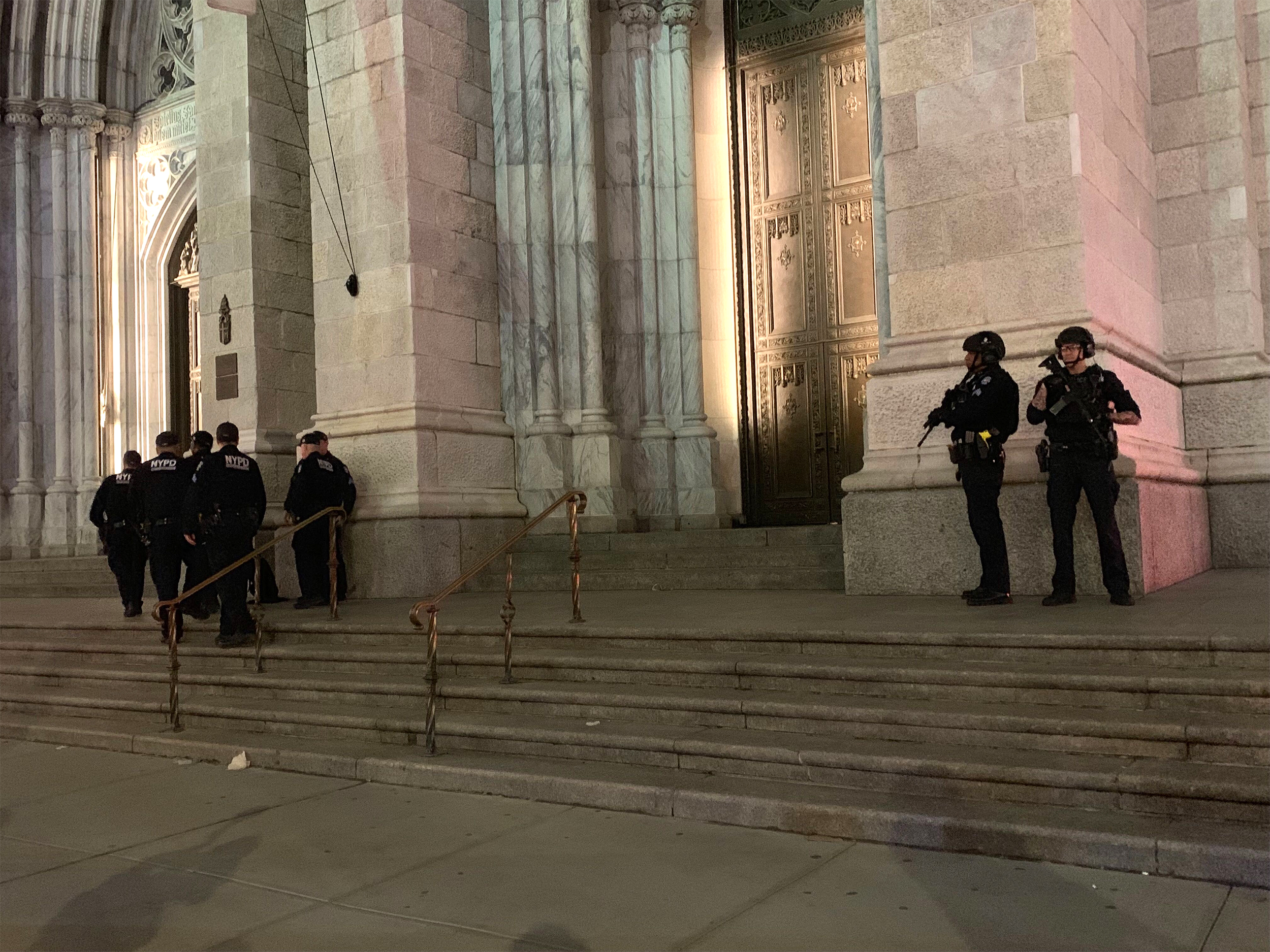 nbcnews.com - Man with gas cans arrested at New York's famed St. Patrick's Cathedral