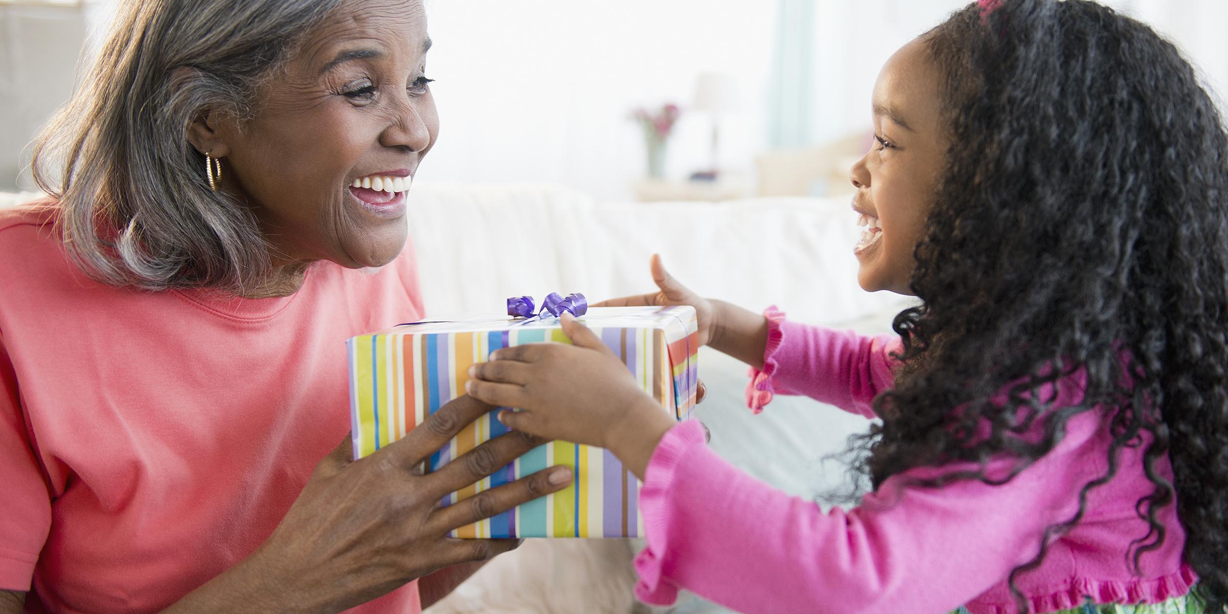 5ecb71488e3 20 unique gift ideas for Grandma