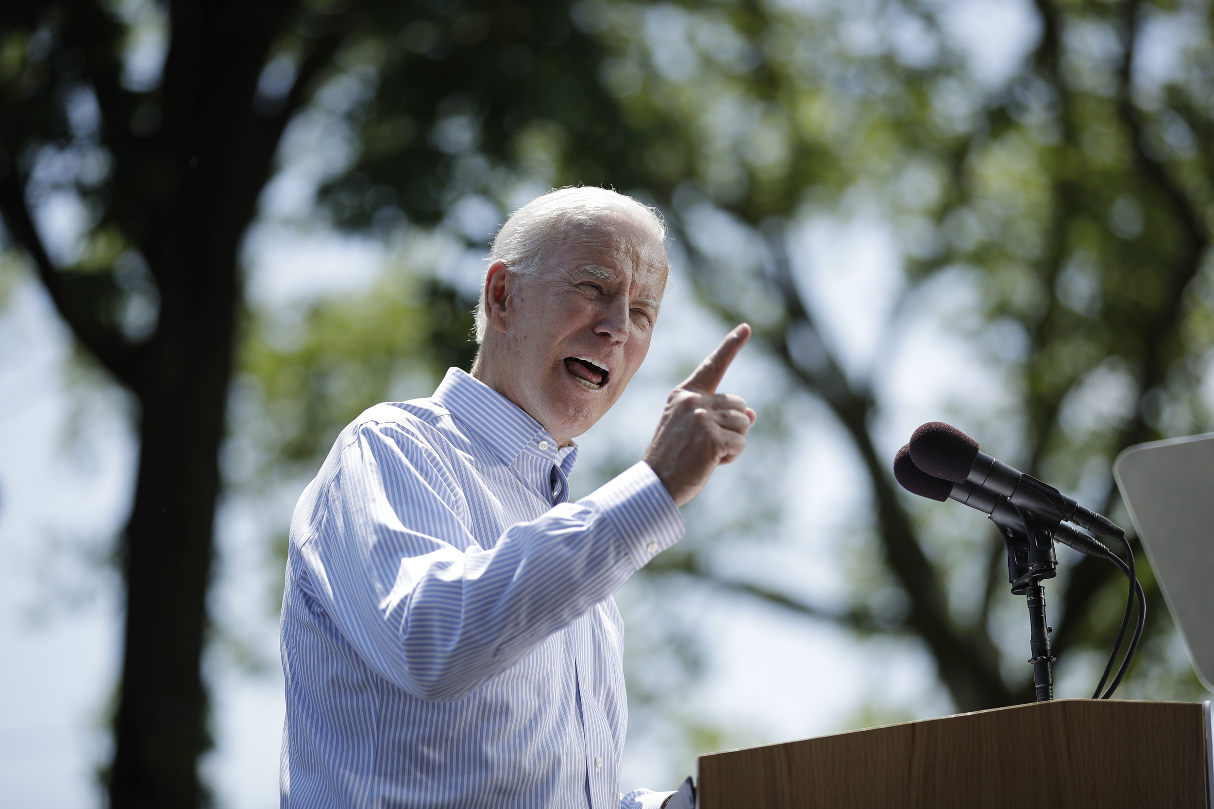 Biden at rally casts himself as candidate who could unify the nation