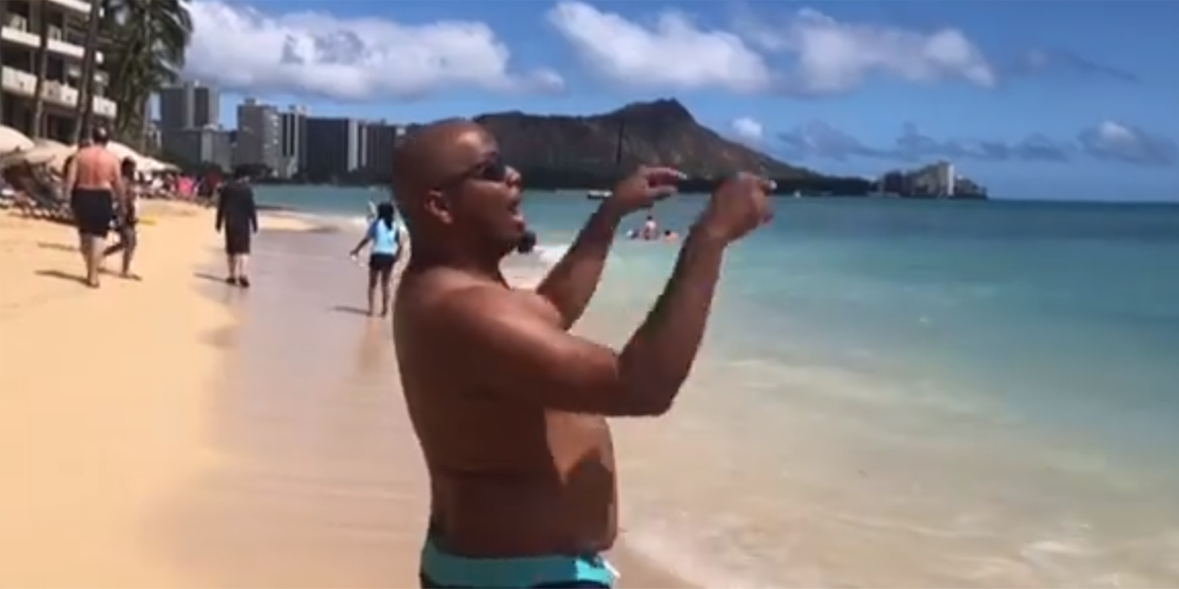 Dad's hilarious beach video sends message about body shaming