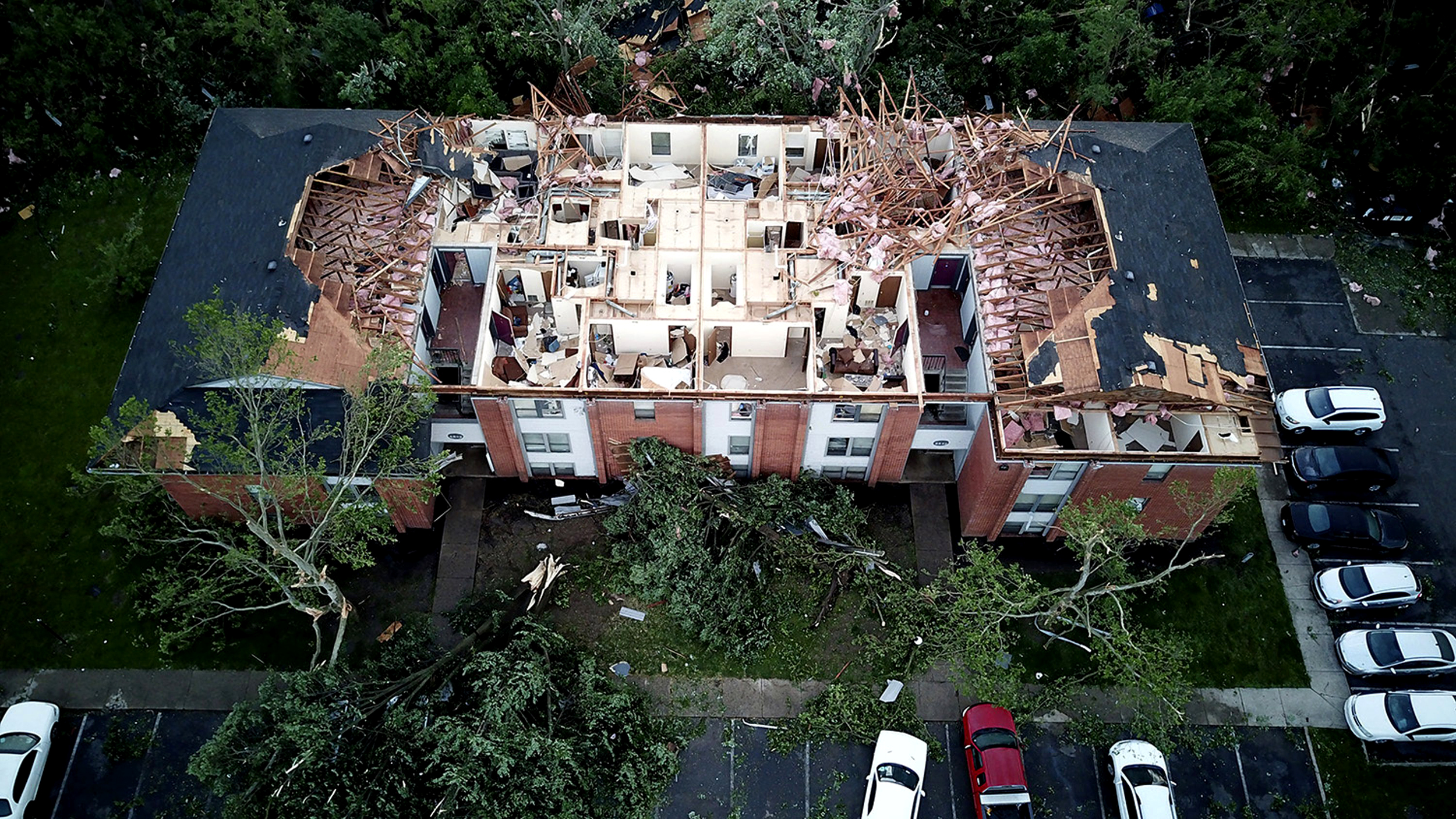 At least 1 dead, 12 injured from storms, tornadoes in