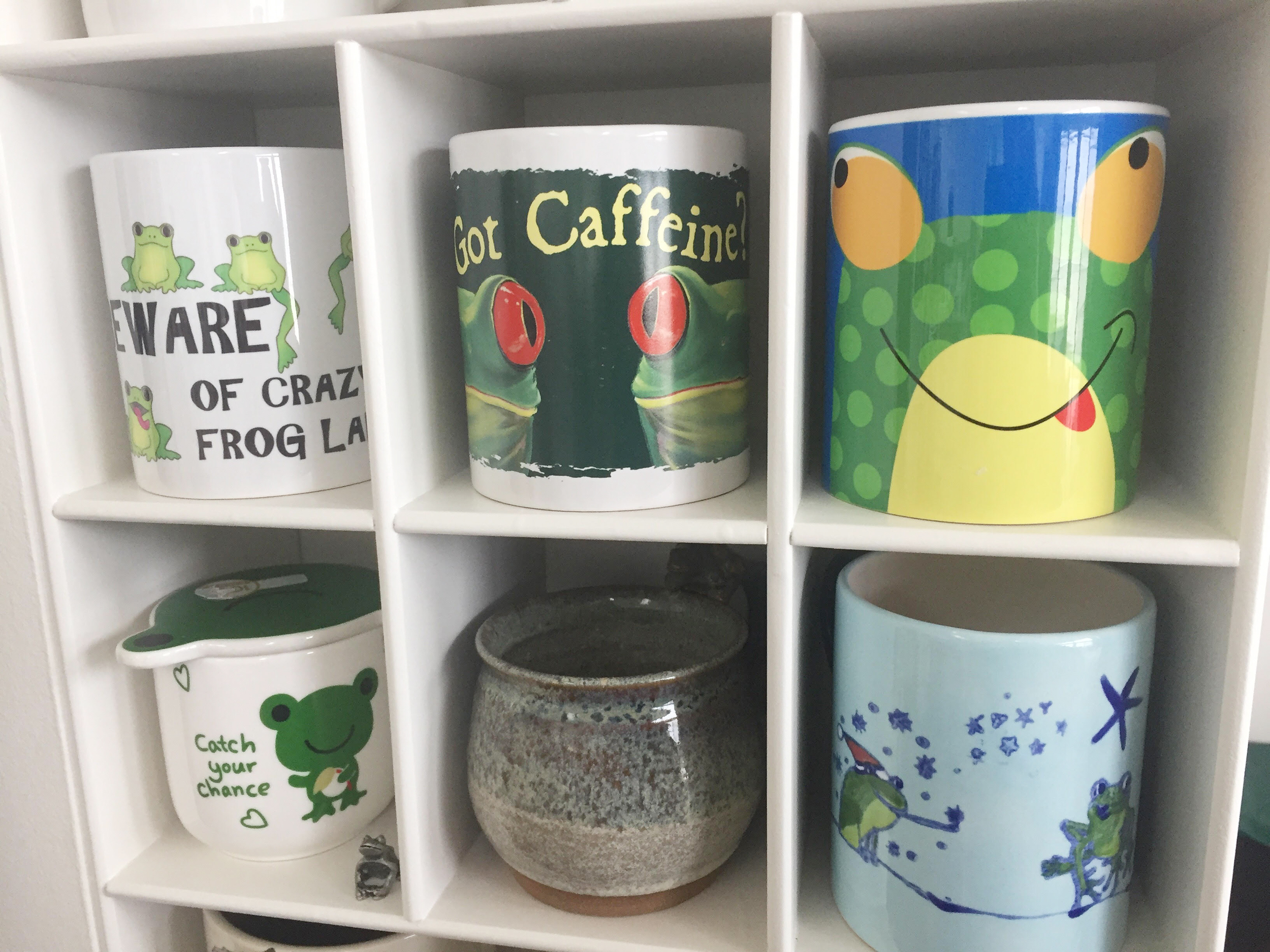 Sweet Boyfriend Builds A Mug Wall For Girlfriend S Mug Collection