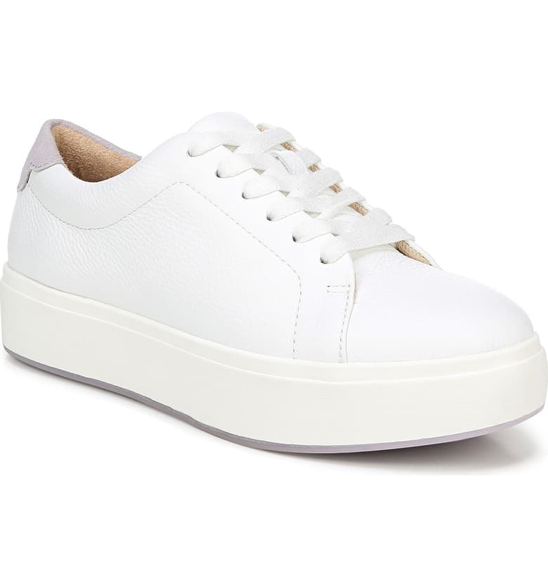 WHITE HIGHTOP CONVERSE WITH PLATFORM on The Hunt