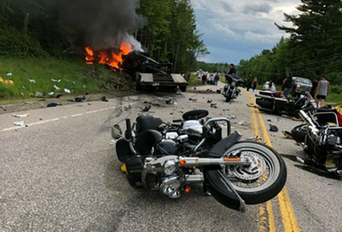 7 killed in crash between truck, bikers in New Hampshire