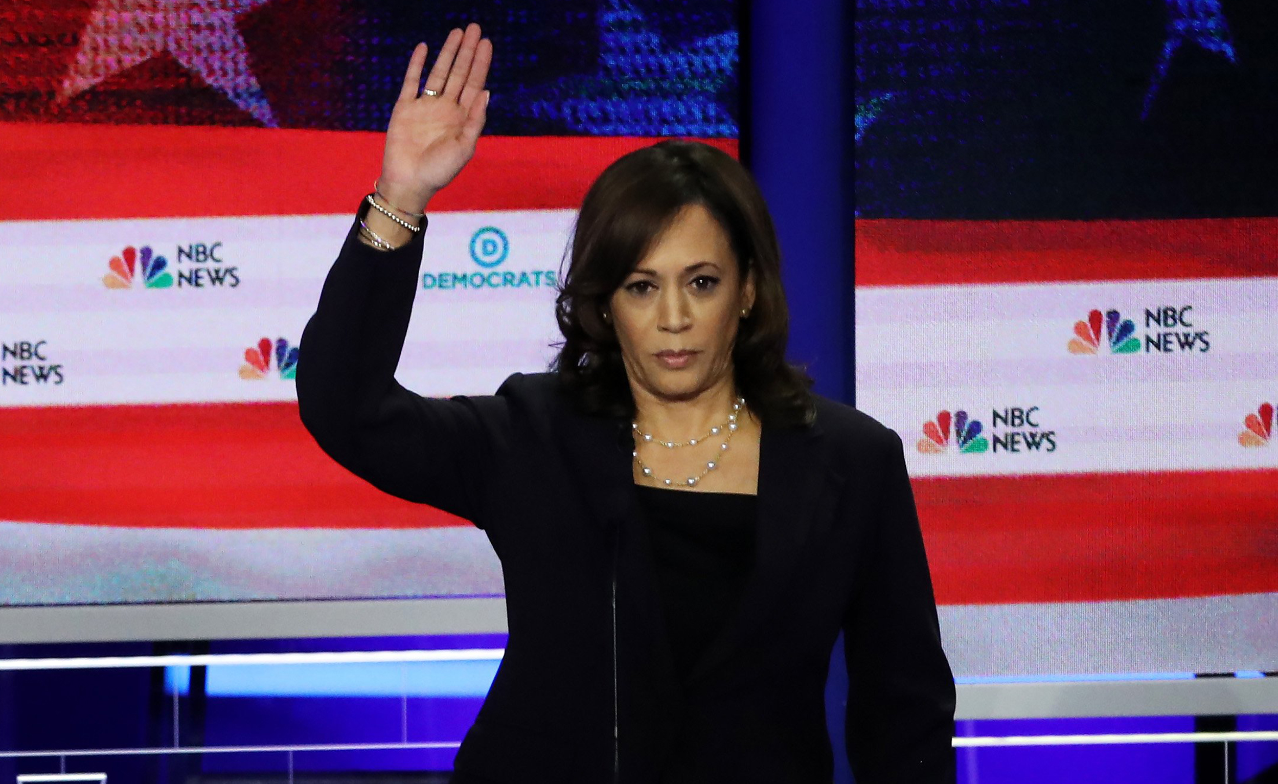 Kamala Harris Walks Back Her Hand Up Moment On Health Insurance In Democratic Debate
