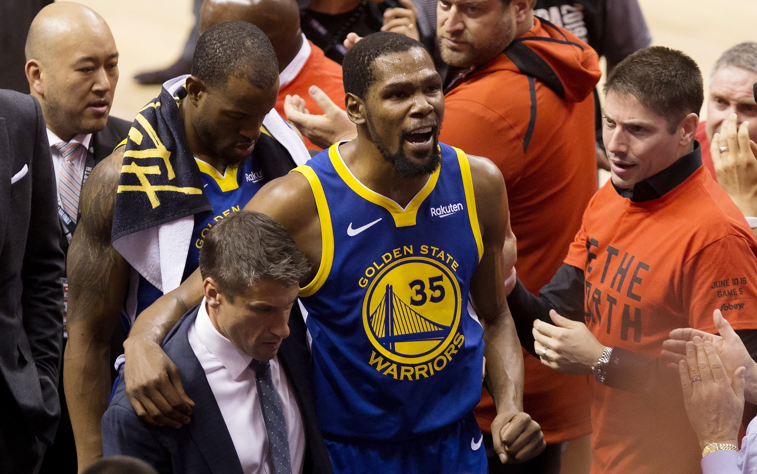 Brooklyn Nets To Sign Kevin Durant Even Though He S Likely To Sit Out A Year