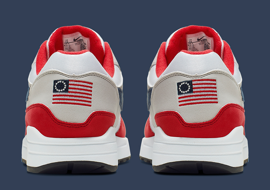 https://media1.s-nbcnews.com/i/newscms/2019_27/2918806/190702-nike-air-max-1-independence-day-mc-1238_d4d381f543b278e1409ec899e5edf5ea.jpg