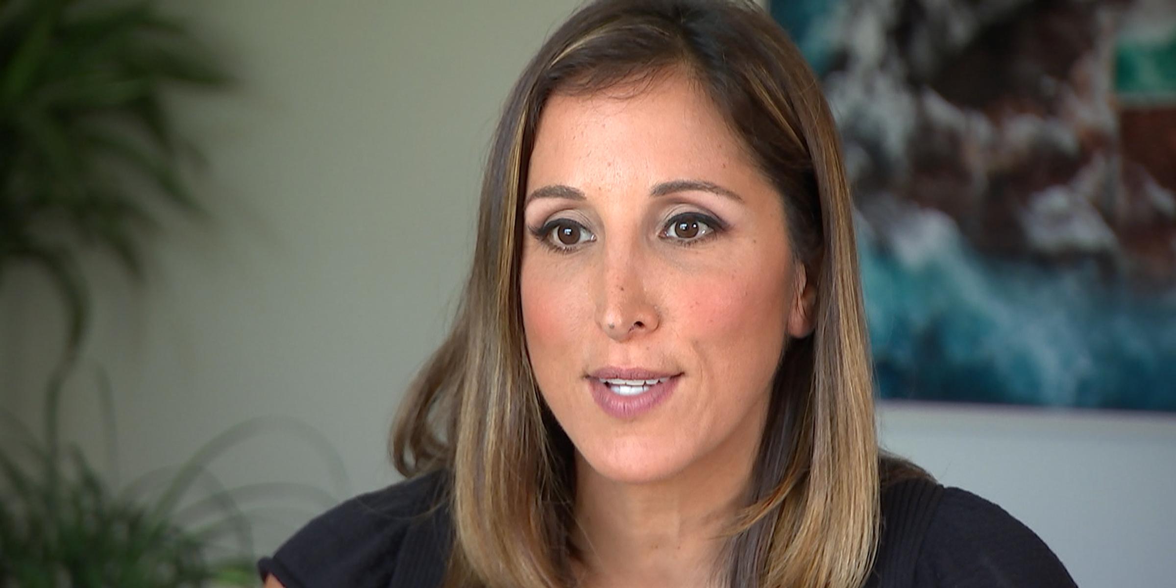 MSNBC anchor Yasmin Vossoughian opens up about birthmark on her leg