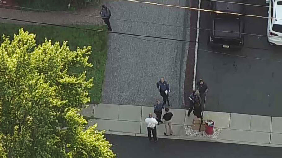 Off-duty New Jersey police officer kills estranged wife, wounds her boyfriend