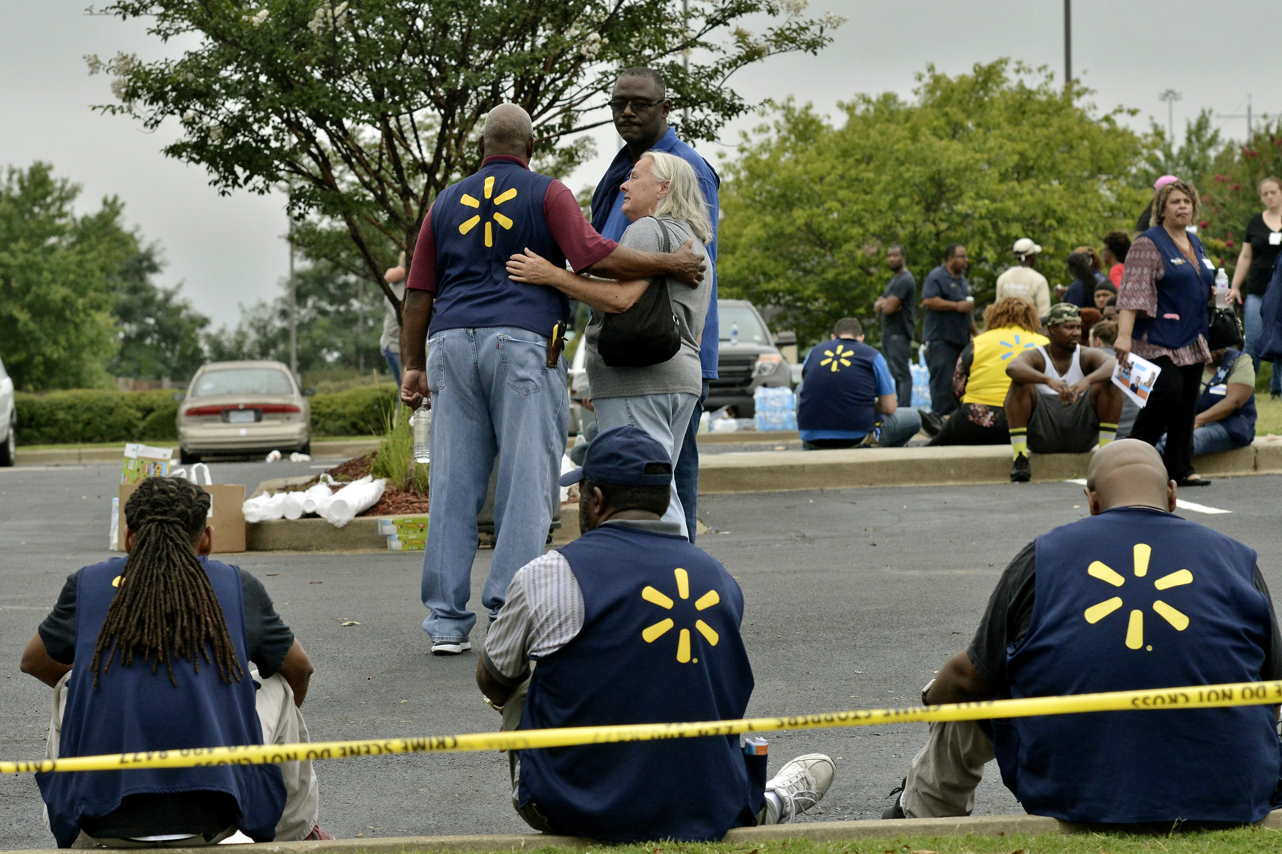 Disgruntled employee' kills 2 co-workers, wounds officer inside