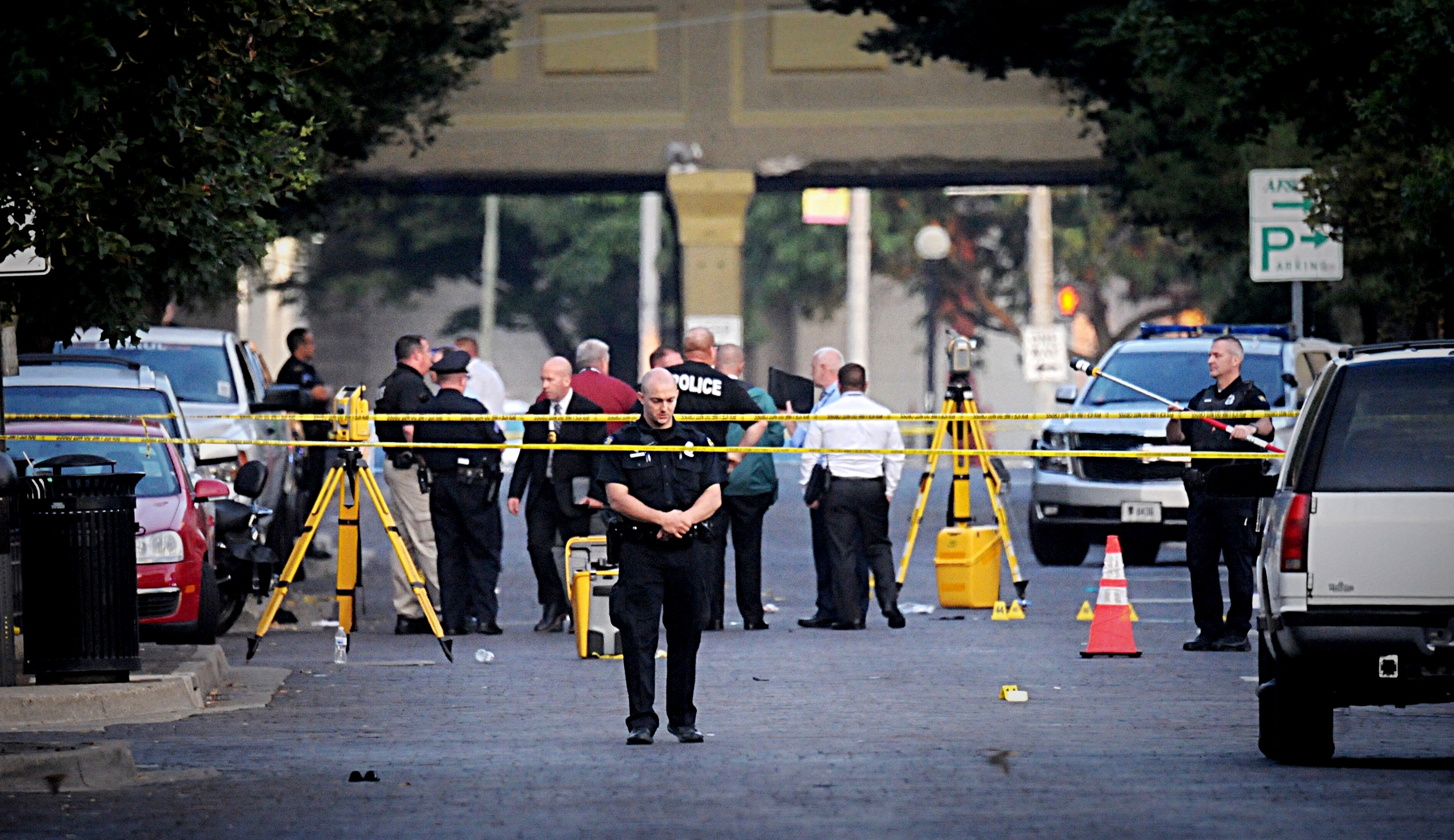 2 mass shootings in less than a day leave at least 29 dead