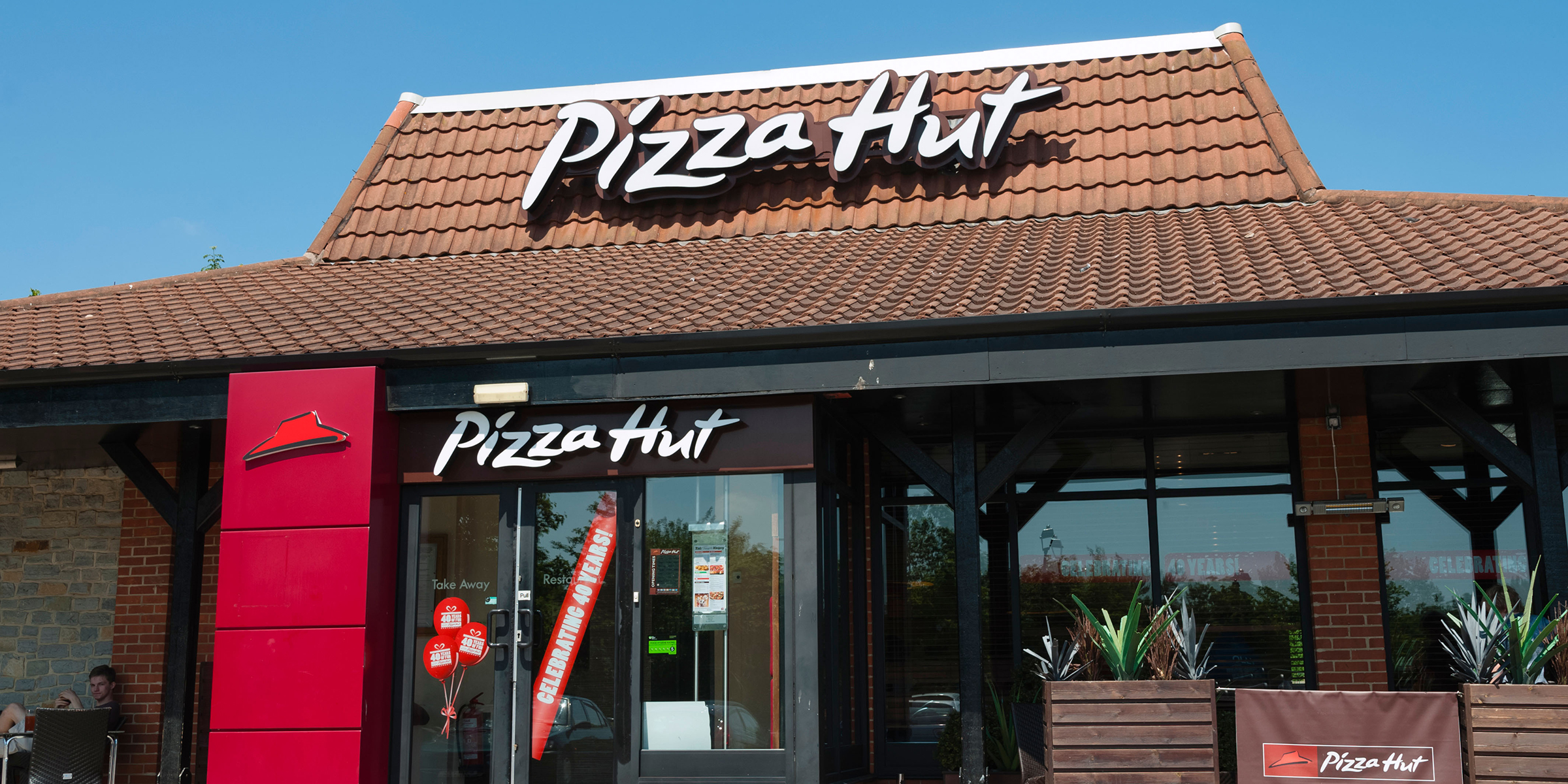 Pizza Hut Is Closing Hundreds Of Its Dine In Restaurants