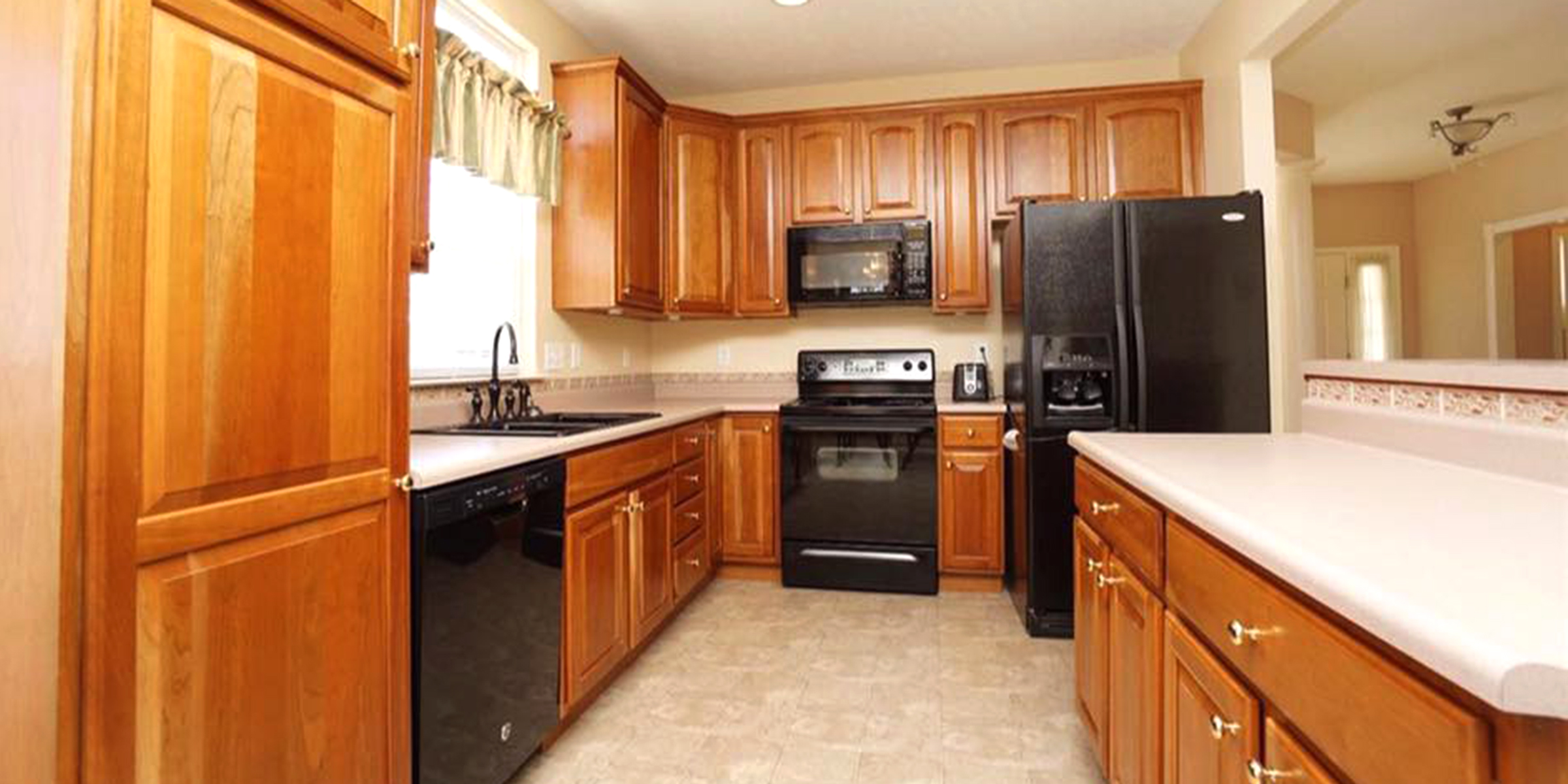 This kitchen is unrecognizable after a makeover — for only $95!