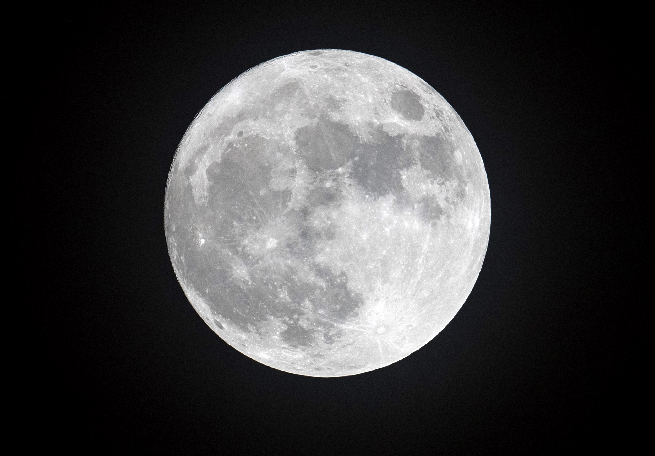 On Friday The 13th A Full Harvest Moon Will Be Visible In The