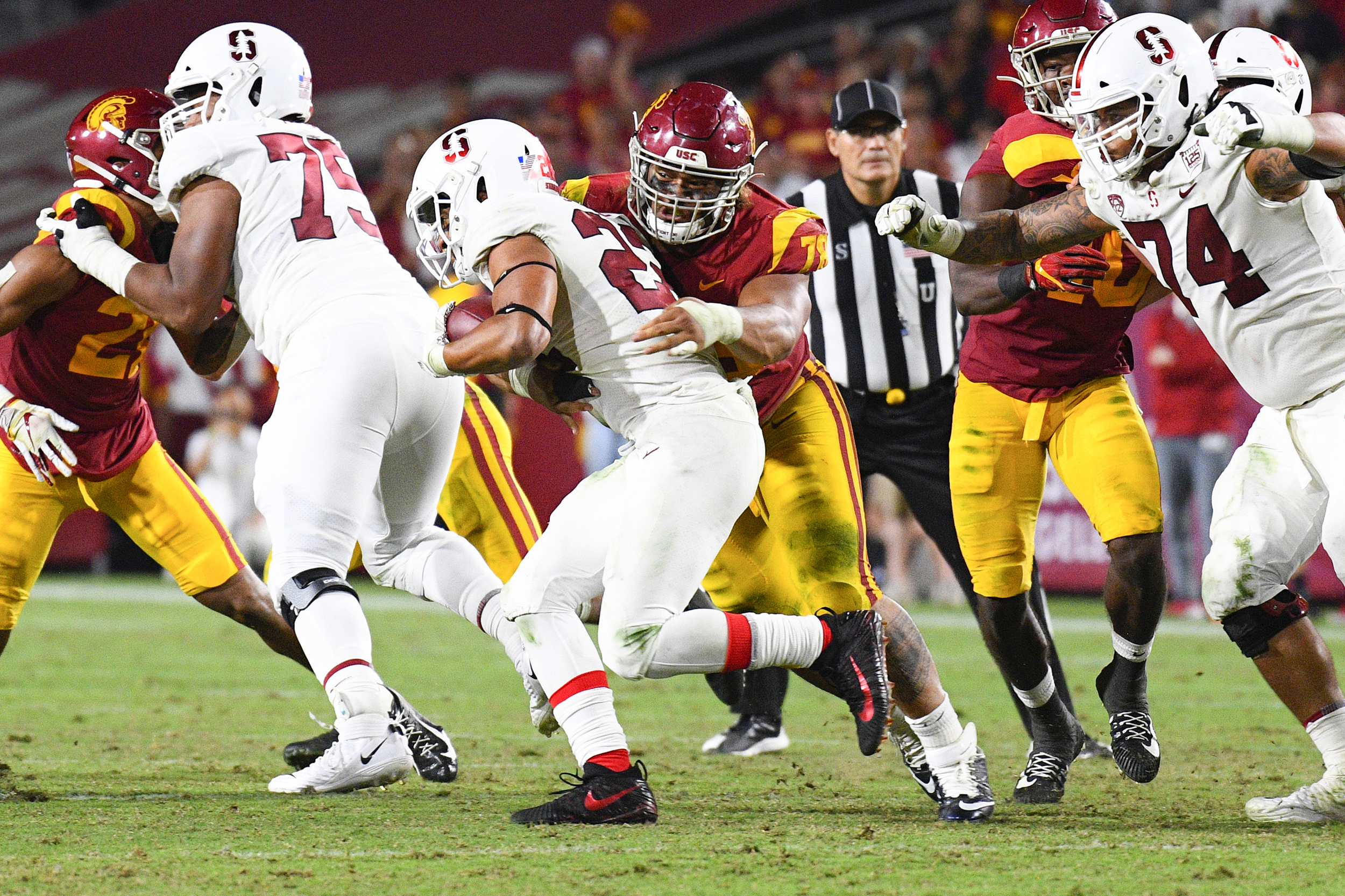 California-sets-up-clash-with-NCAA-by-passing-bill-allowing-college-athletes-to-get-paid