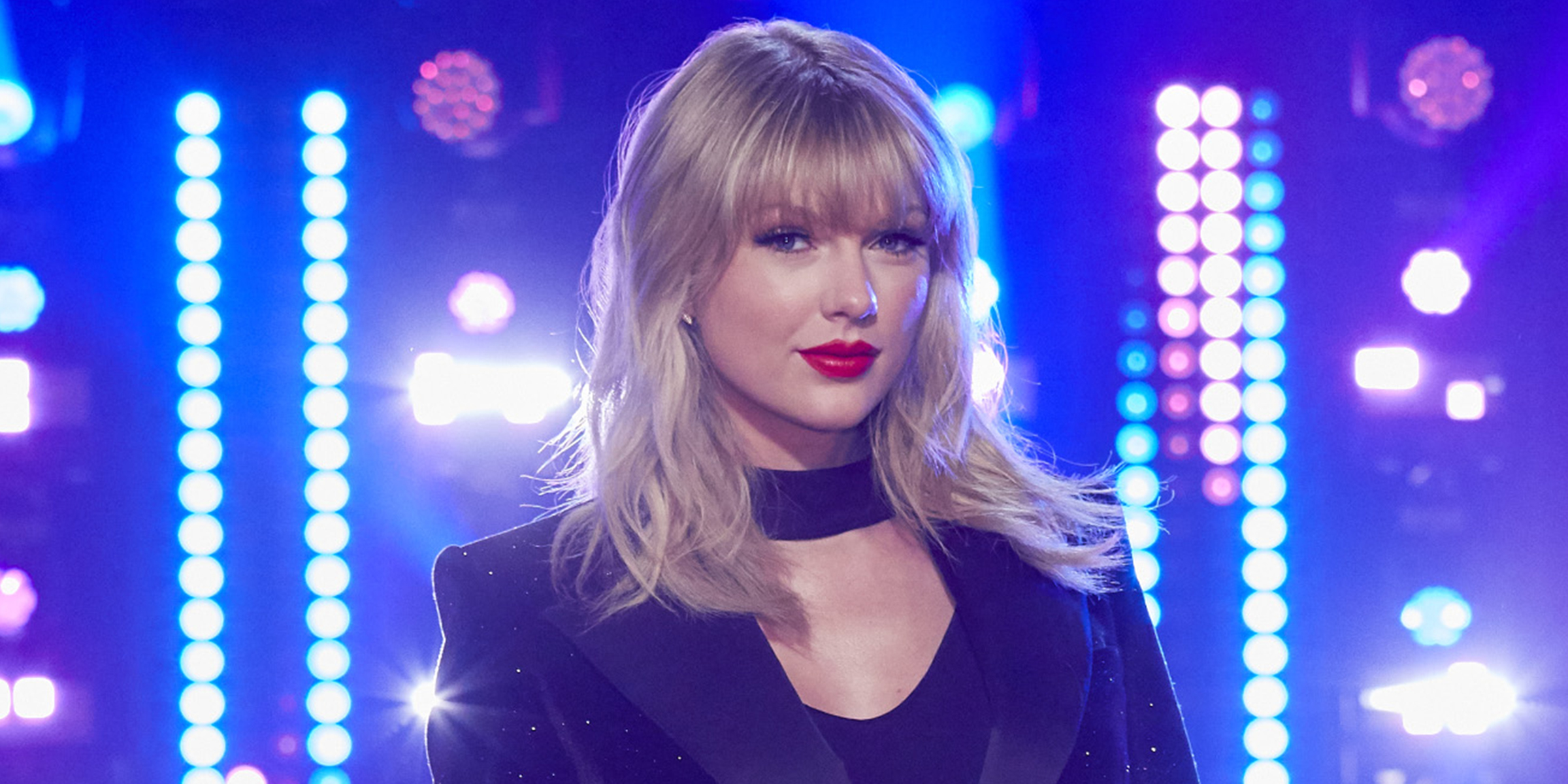 Taylor Swift Joins The Voice See Blake Shelton John Legend React In Funny Video