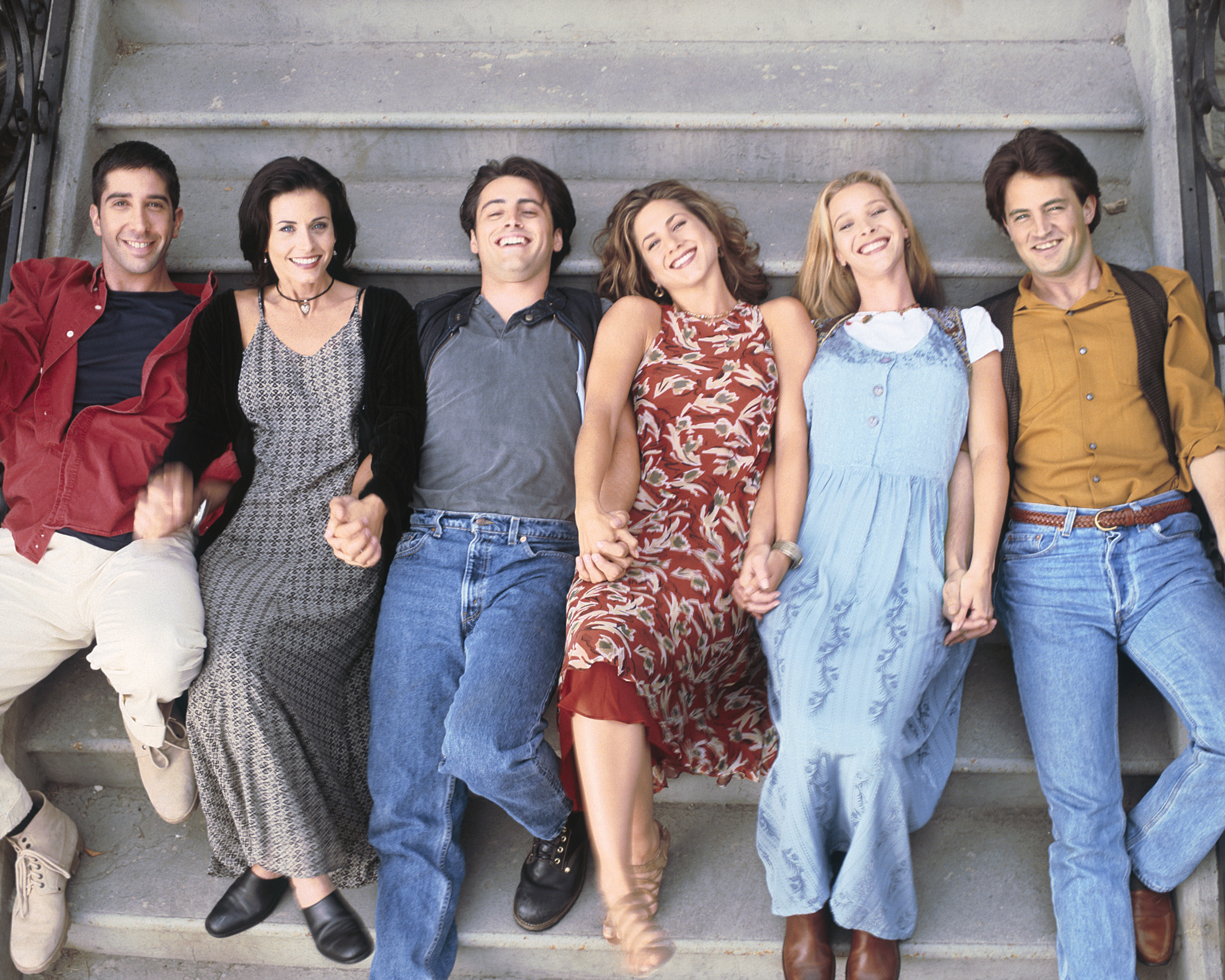 'Friends' stars commemorate show's 25th anniversary with Instagram posts