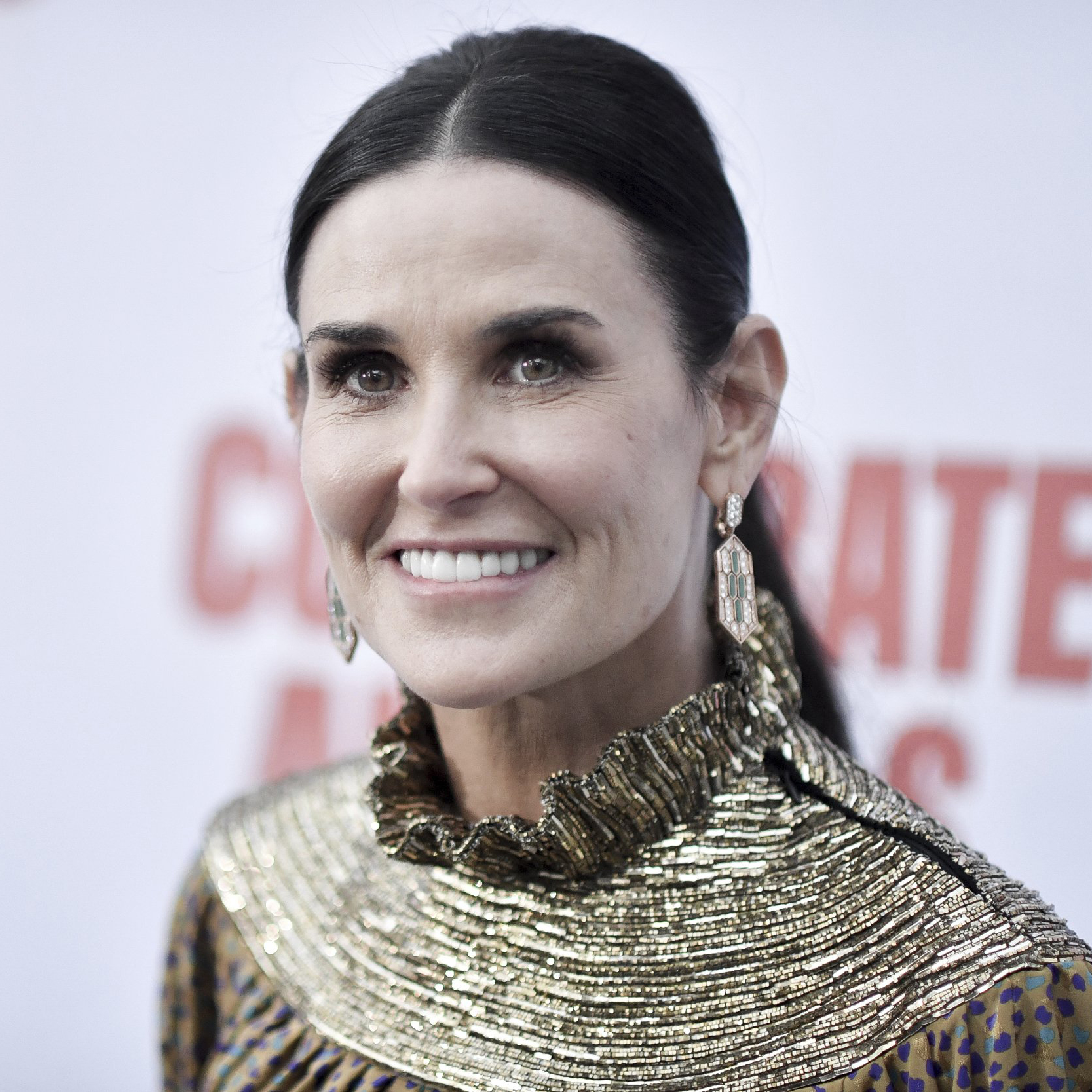 Demi Moore and Courteney Cox are practically twins and we can't unsee it
