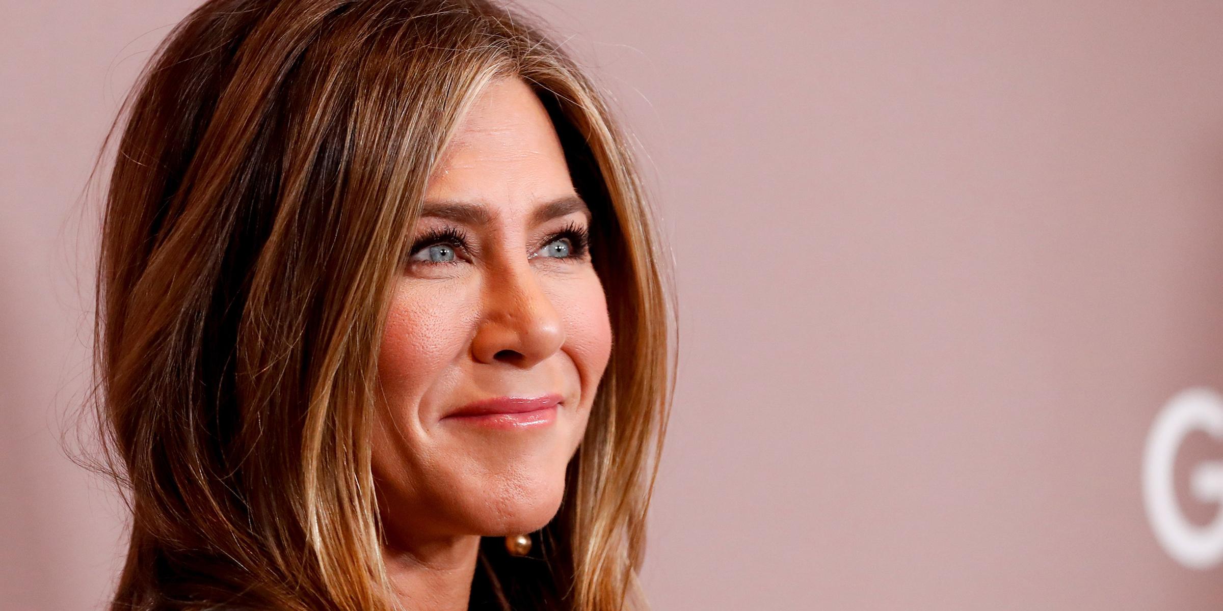 Jennifer Aniston shares honest photo behind the scenes before shoot