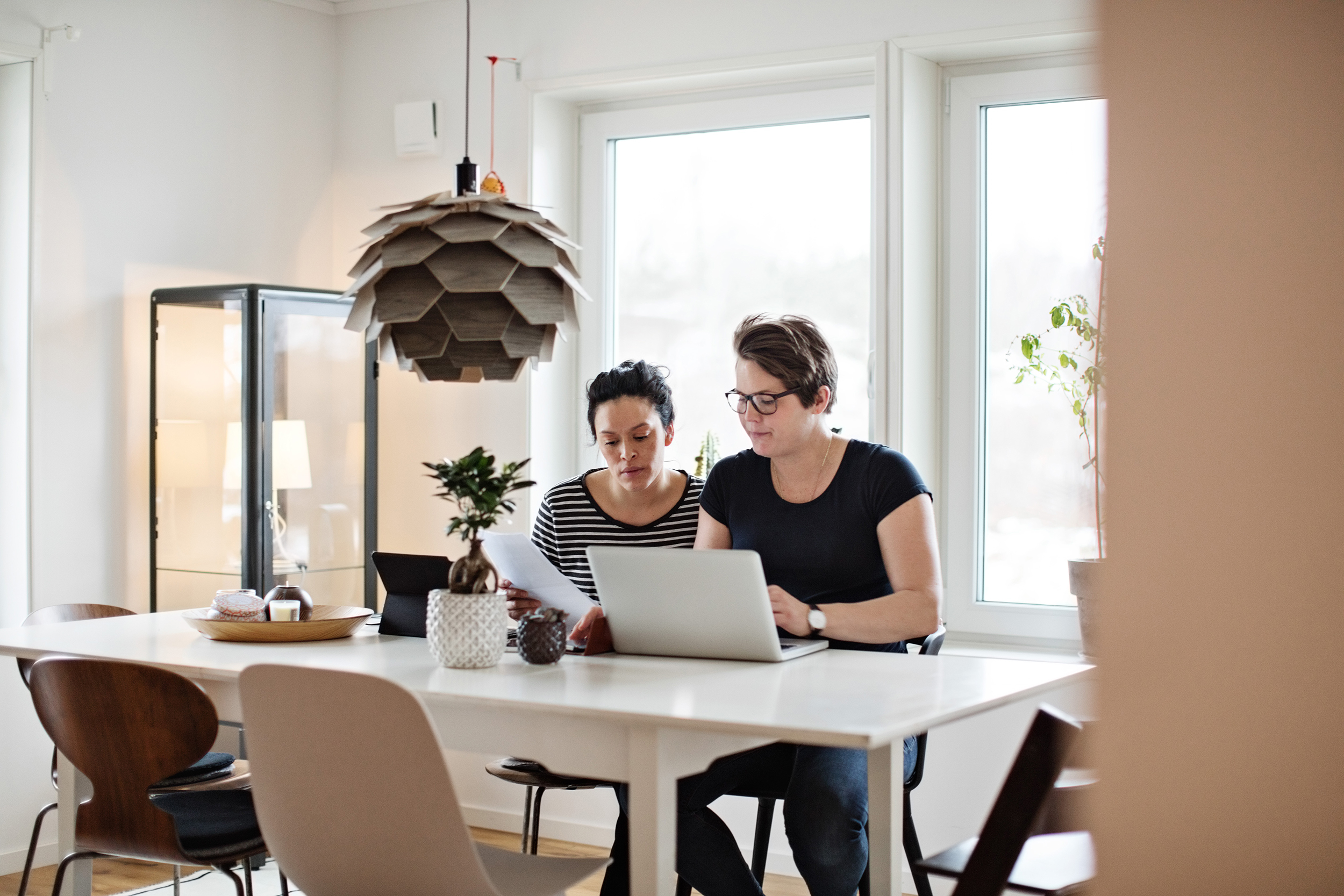 10 Things Financial Experts Want You Know About Getting A Roommate