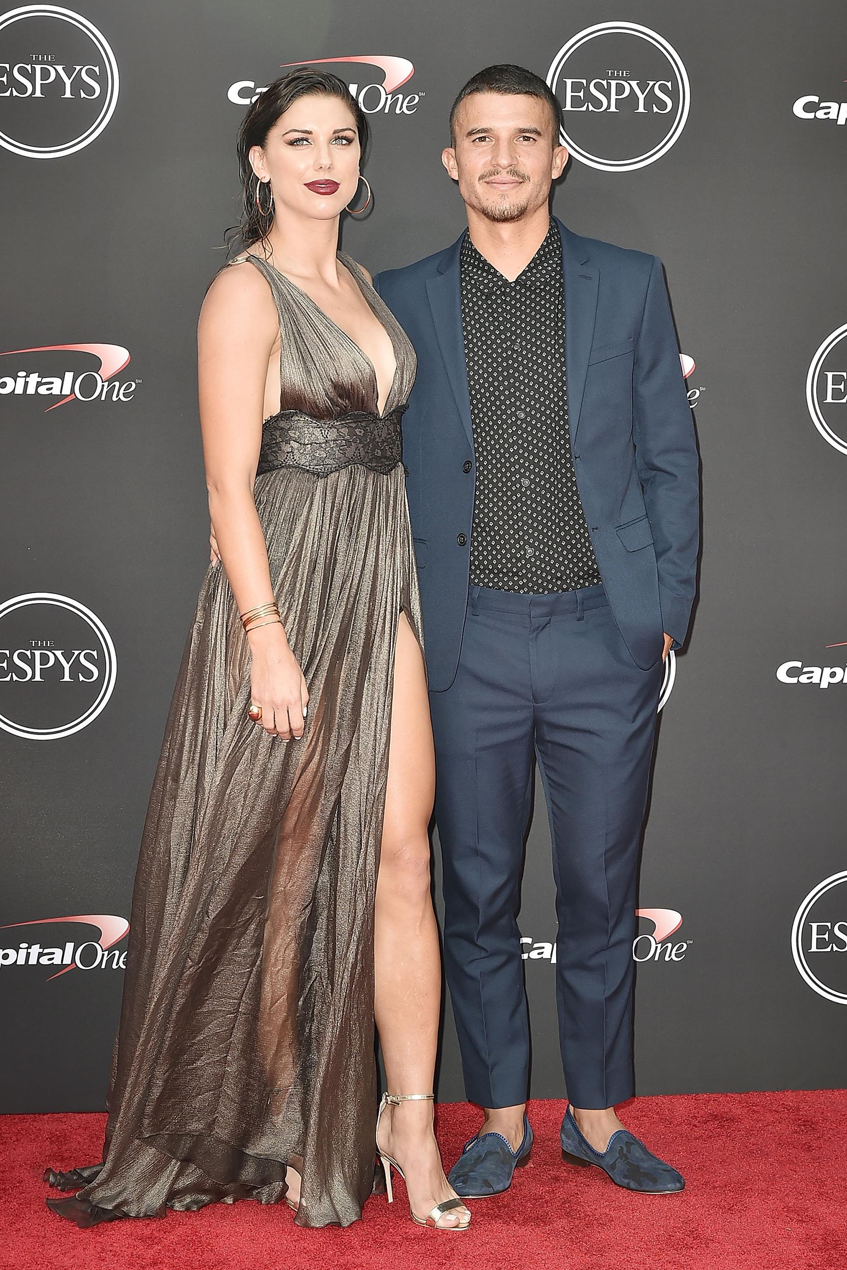 Soccer Stars Alex Morgan And Servando Carrasco Expecting 1st Child