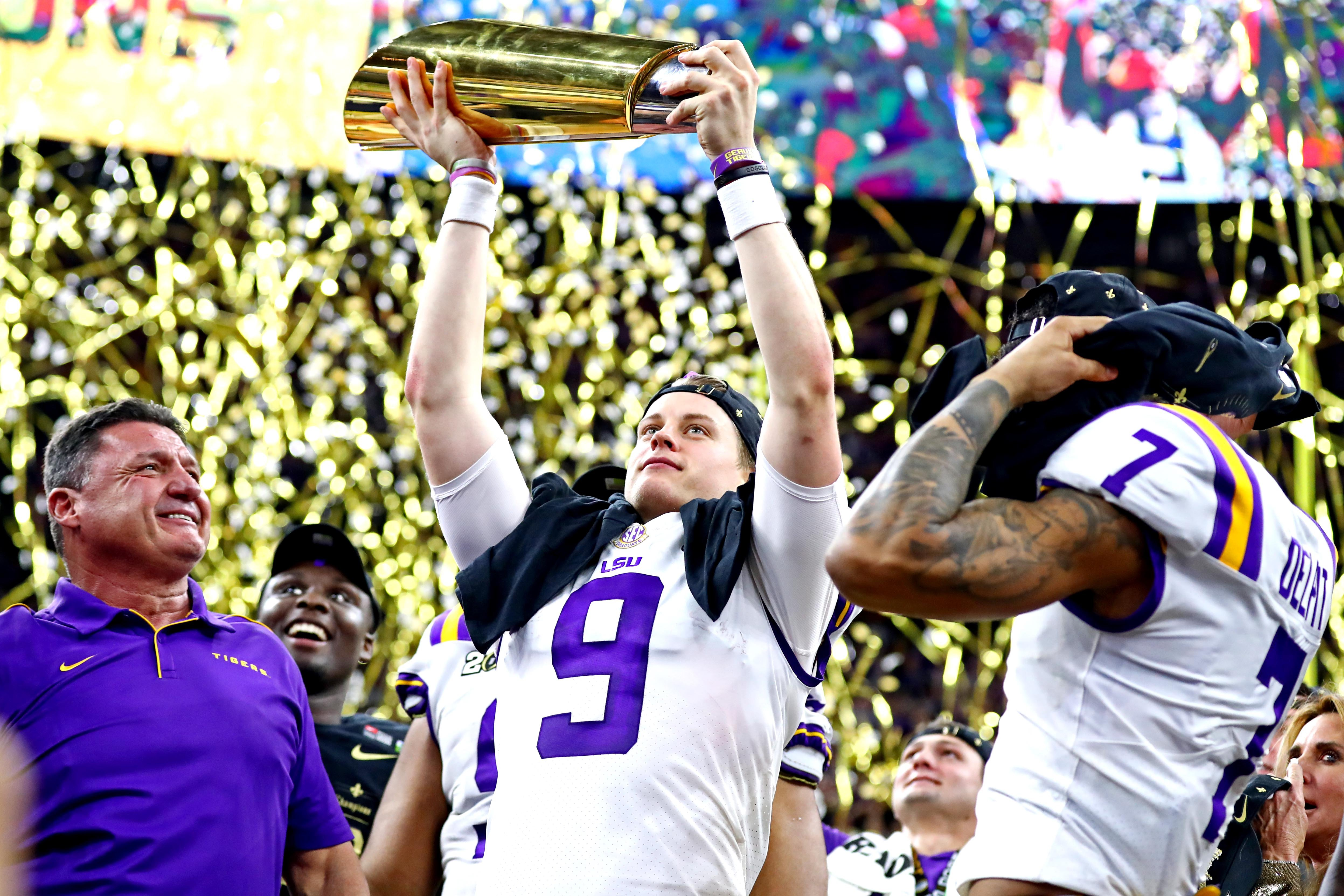 Lsu Smothers Clemson 42 25 To Seize College Football S National Championship