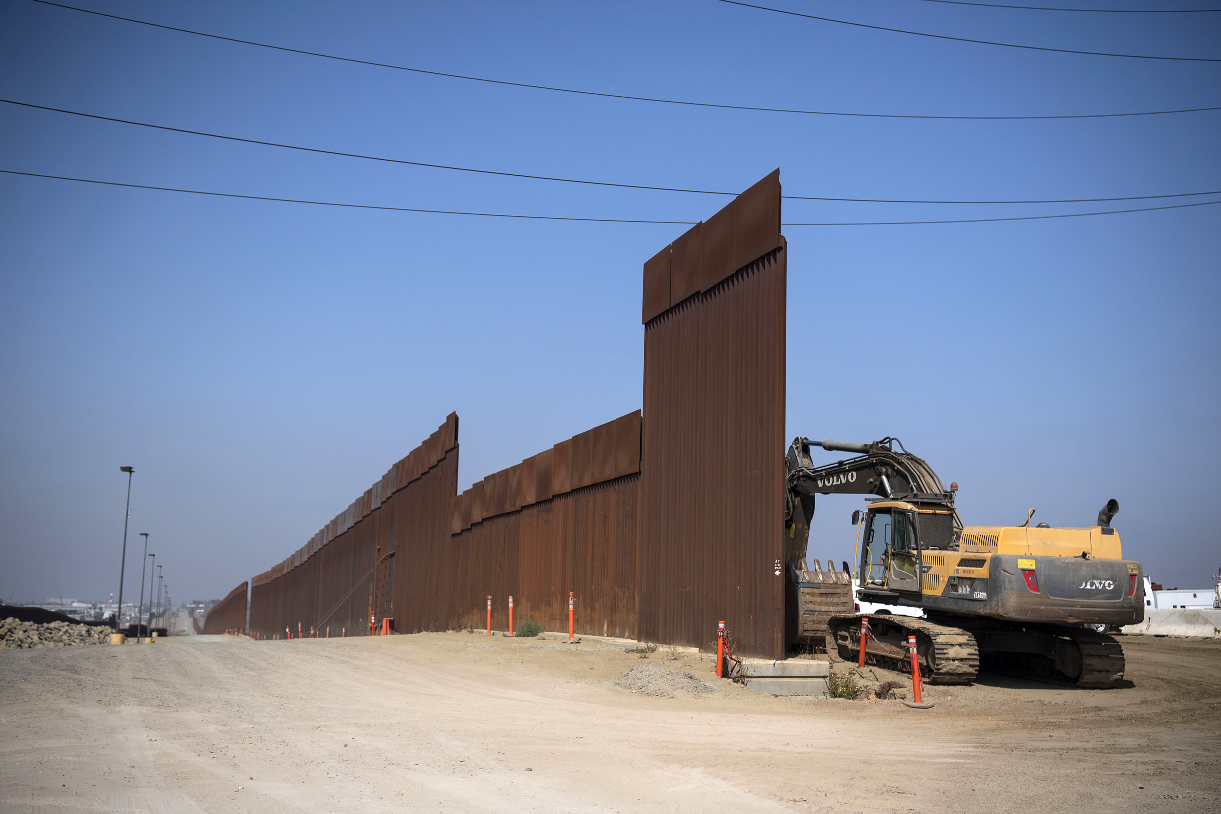 DHS asks Pentagon to fund hundreds more miles of border wall construction