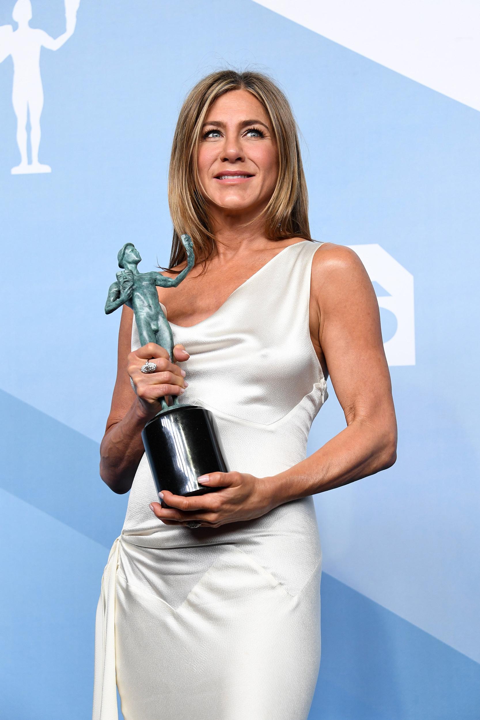 Jennifer Aniston reveals how she avoided wrinkling her SAG Awards dress