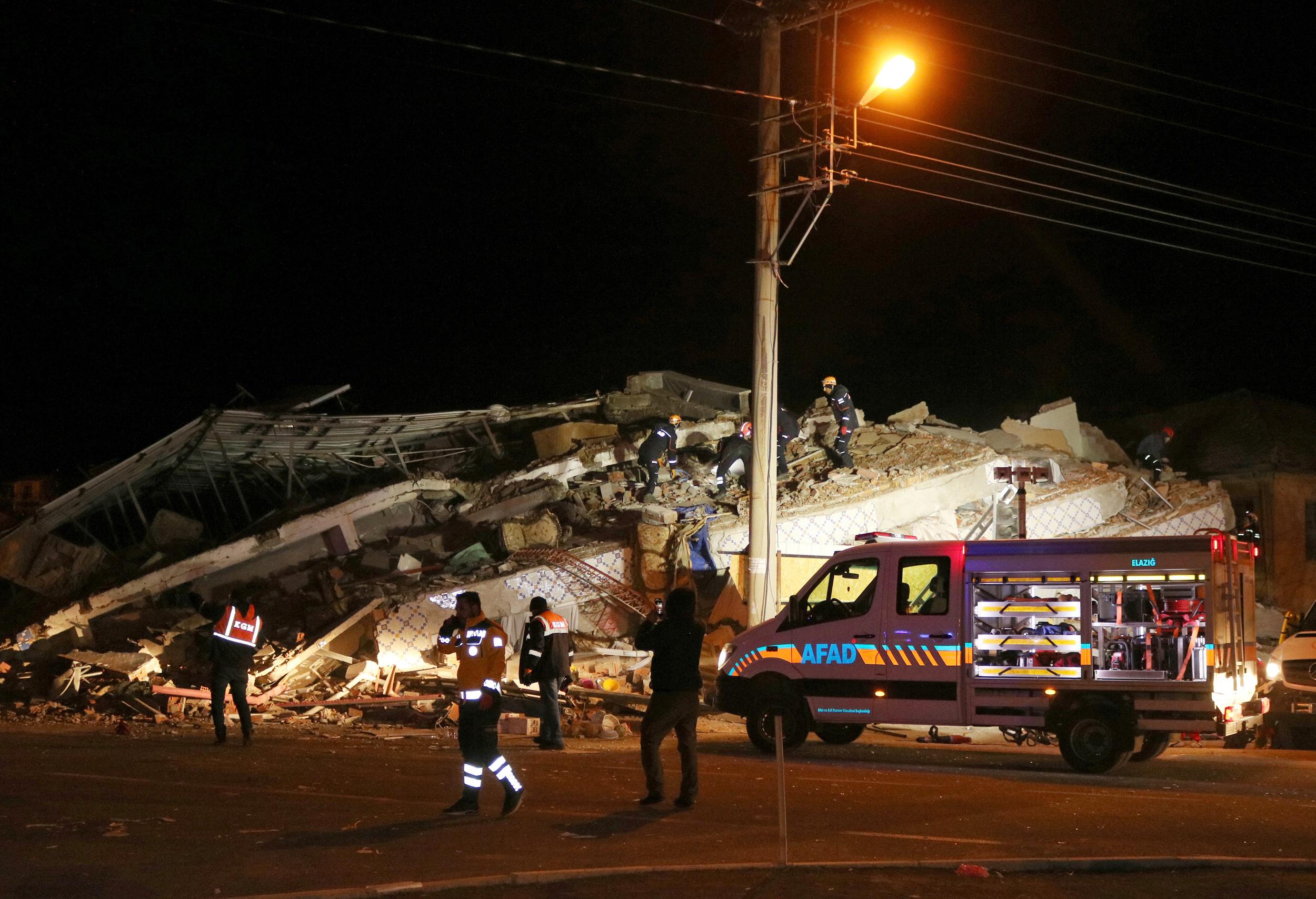 """Résultat de recherche d'images pour """"turkey earthquake"""""""