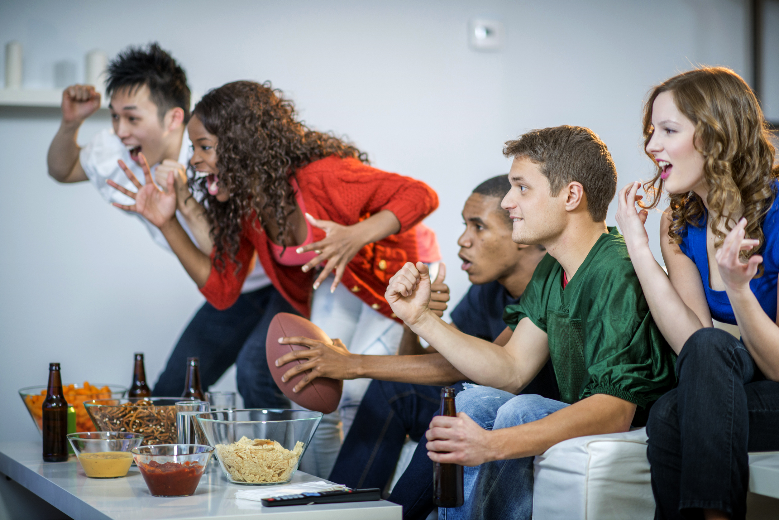 Tv Super Bowl Deals Sound Tech And Other Gear For Your Watch Party