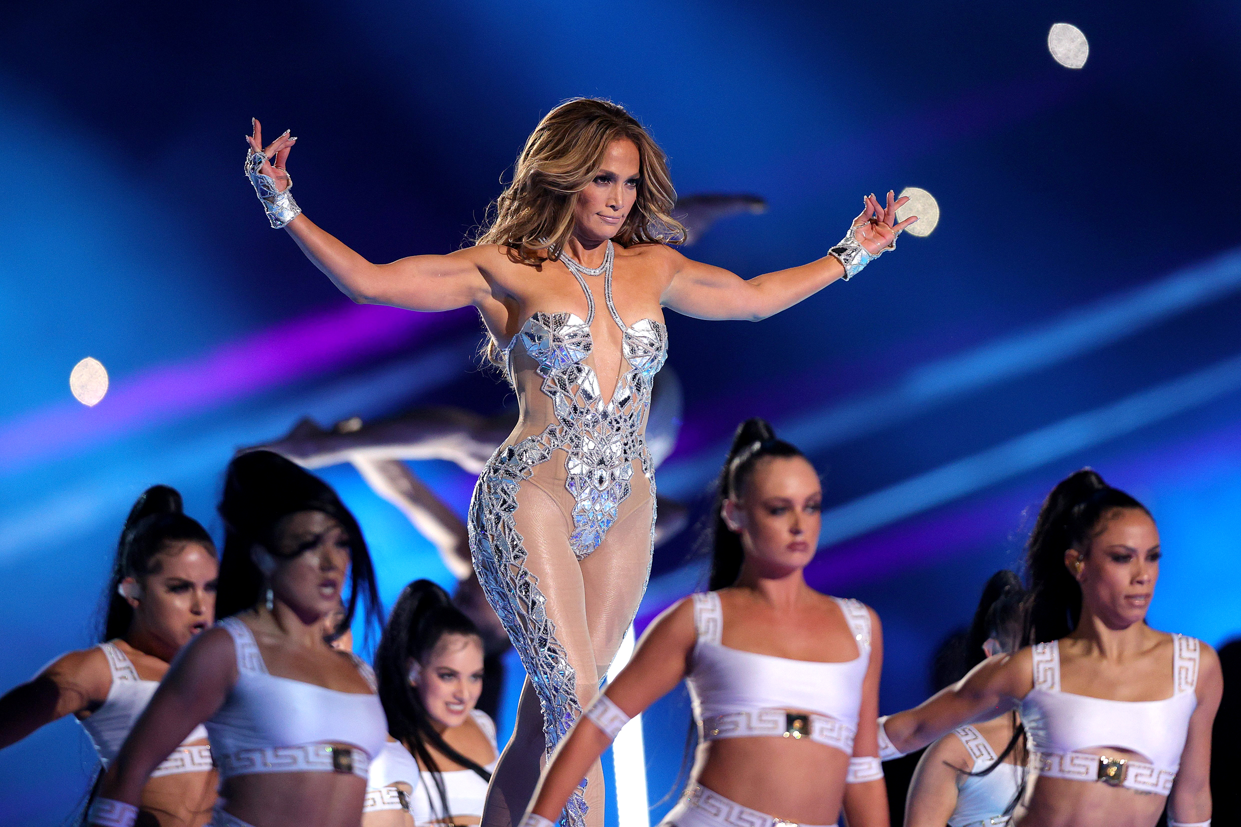 Jennifer Lopez and Shakira are sexy moms. And there's nothing shameful  about it.