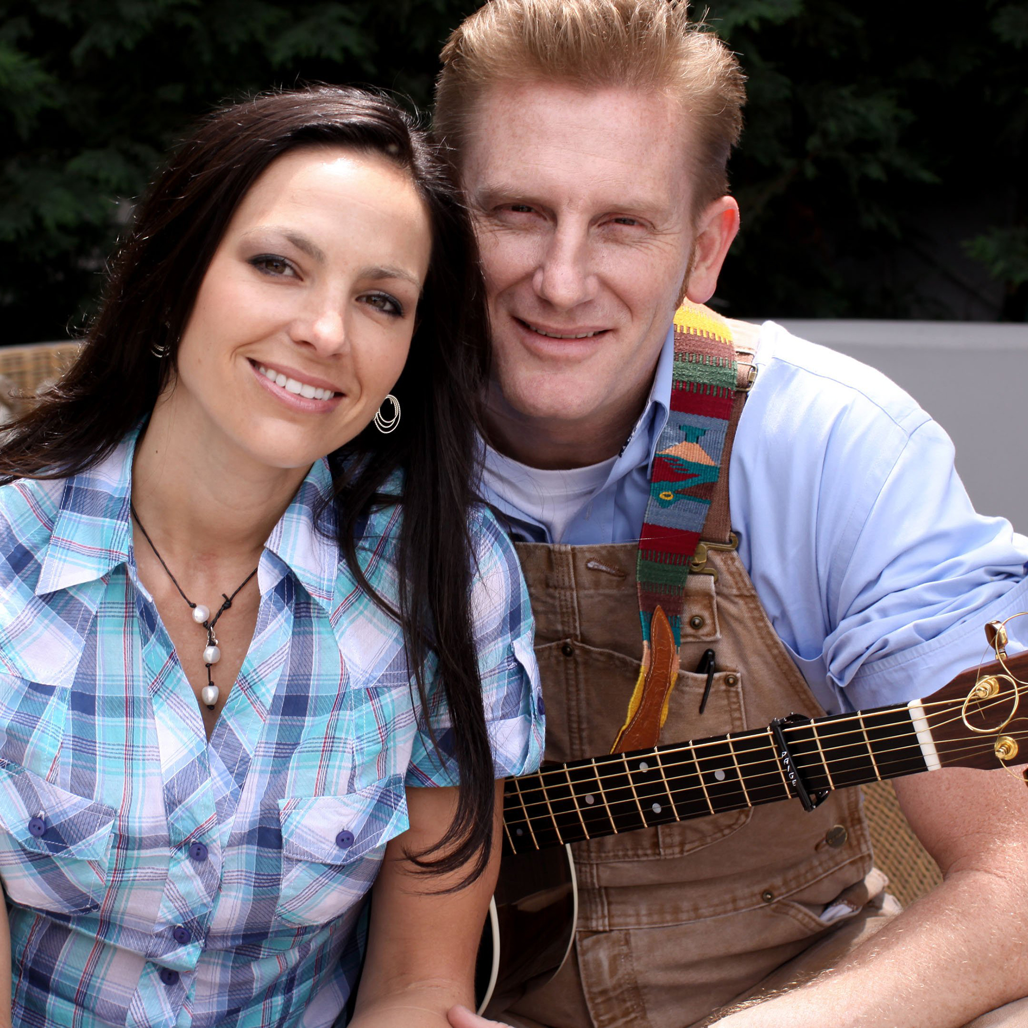 Rory Feek Says Daughter 6 Knows Mom Joey Feek S Voice On Radio After joey's hair began to fall out, rory shaved her head for her. today show