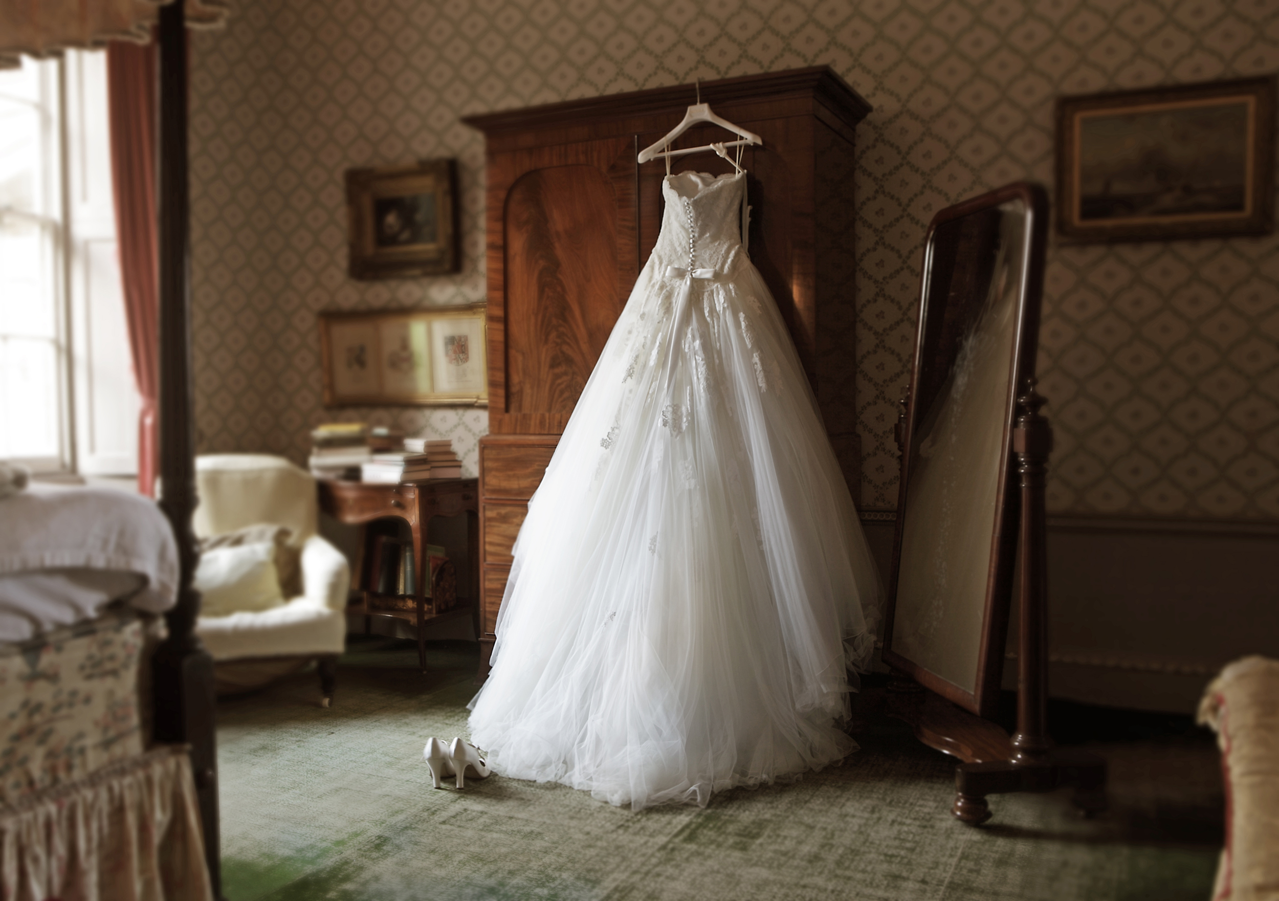 Coronavirus May Delay Wedding Dresses But Don T Panic Industry Experts Say,Red Fancy Dress For Wedding