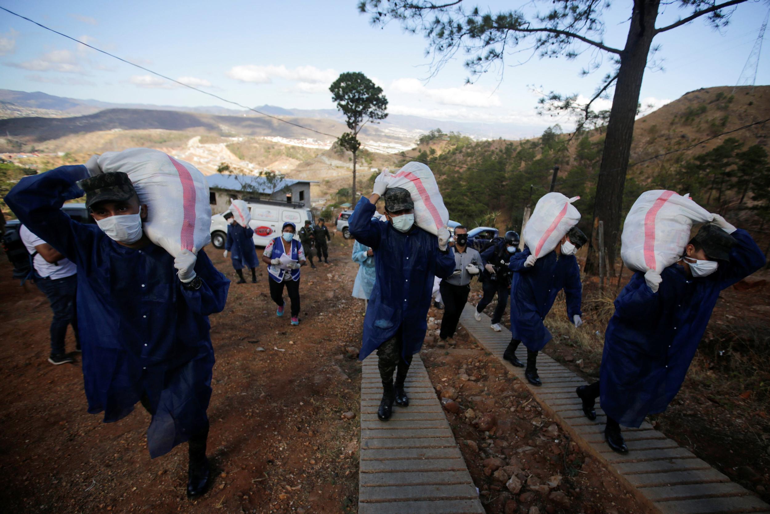 In Honduras, soldiers deliver food to over 3 million in coronavirus lockdown
