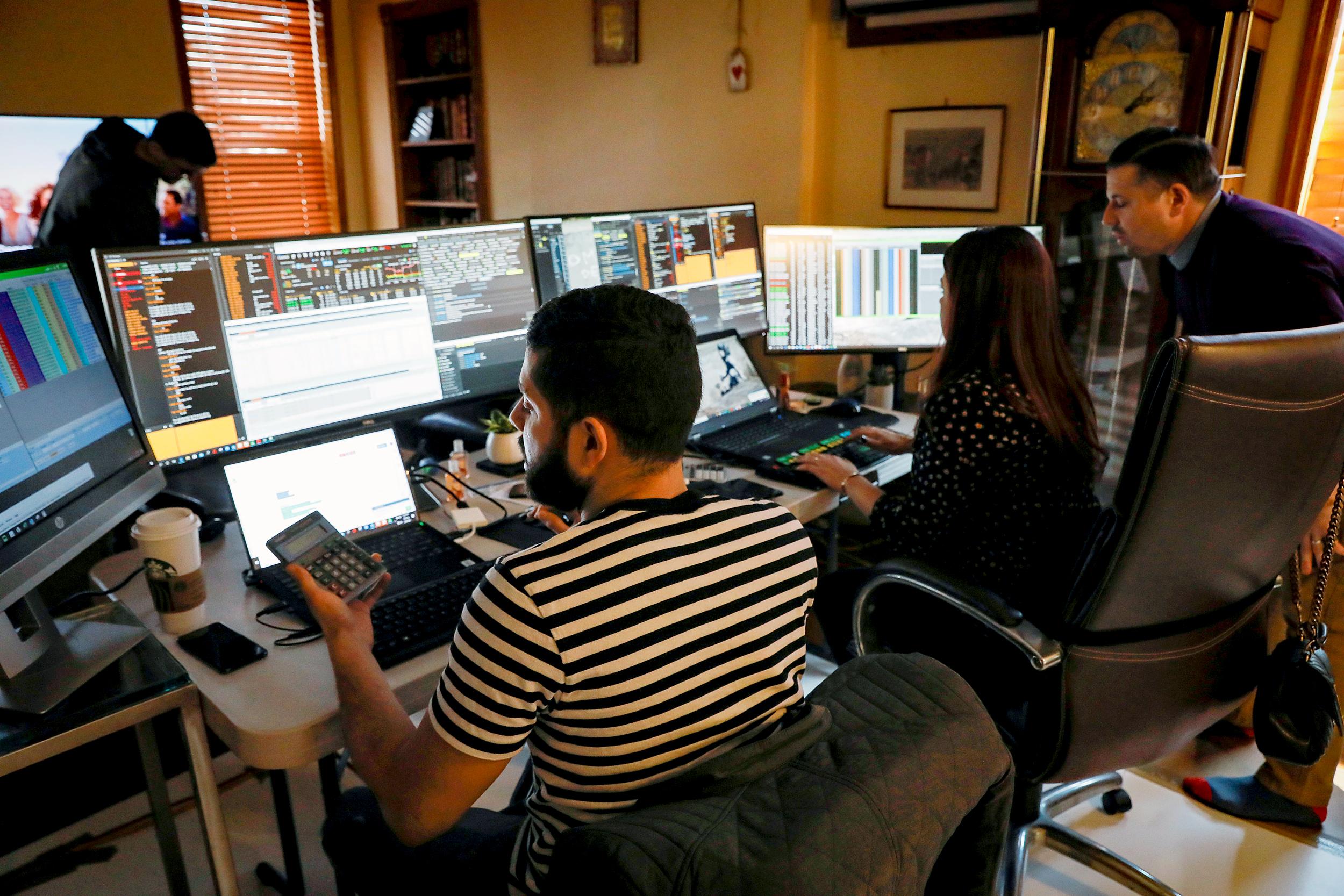 Wall Street price hike improves market optimism despite massive unemployment numbers