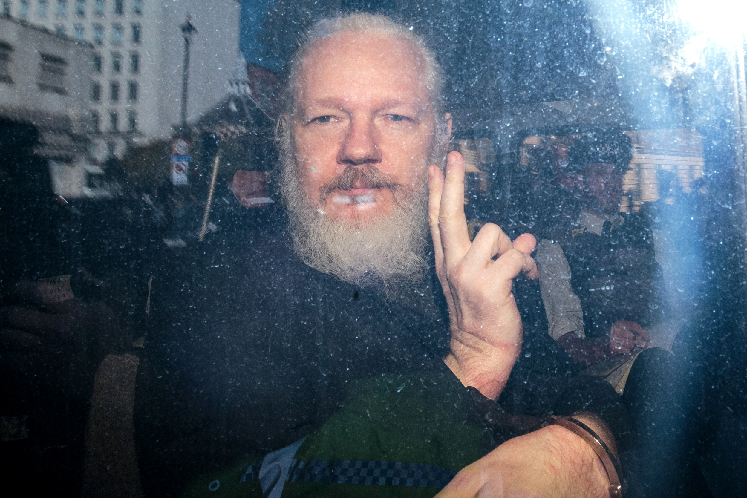 WikiLeaks' Julian Assange cannot be extradited to the U.S. to face  espionage charges, U.K. court rules