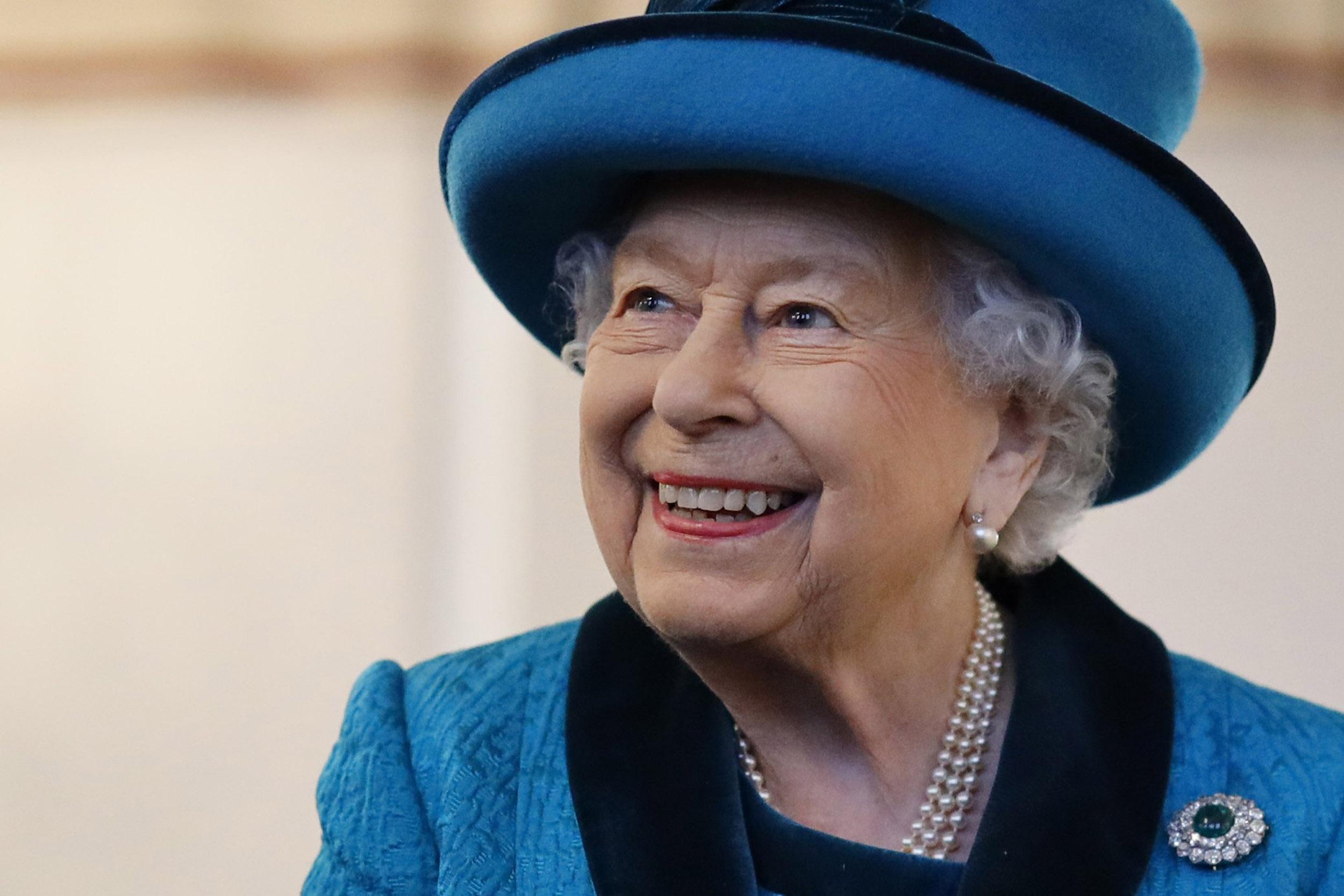 Поздравления от королевы елизаветы