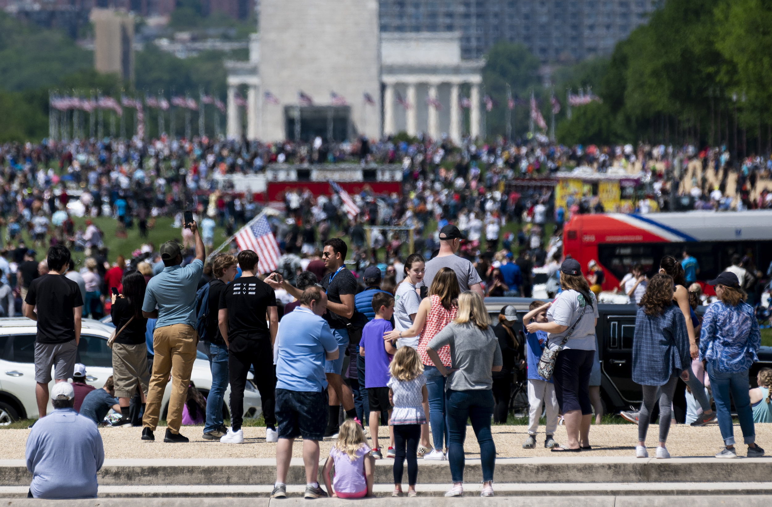 Crowds gathered at National Mall to watch Blue Angels ...