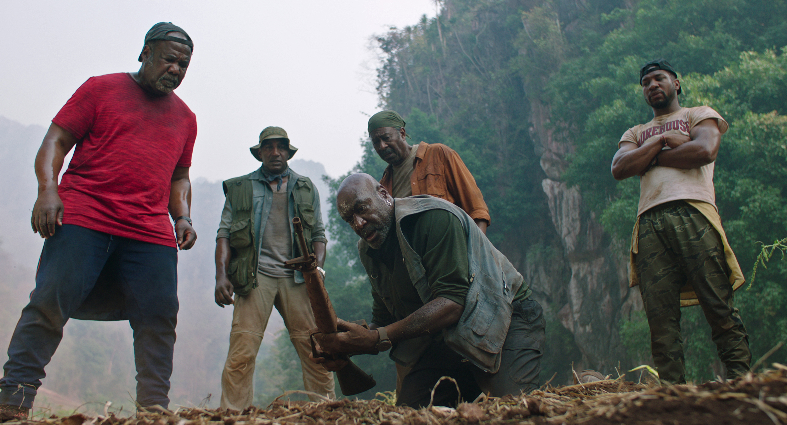 Netflix's 'Da 5 Bloods' tells Black Vietnam veterans' stories the ...