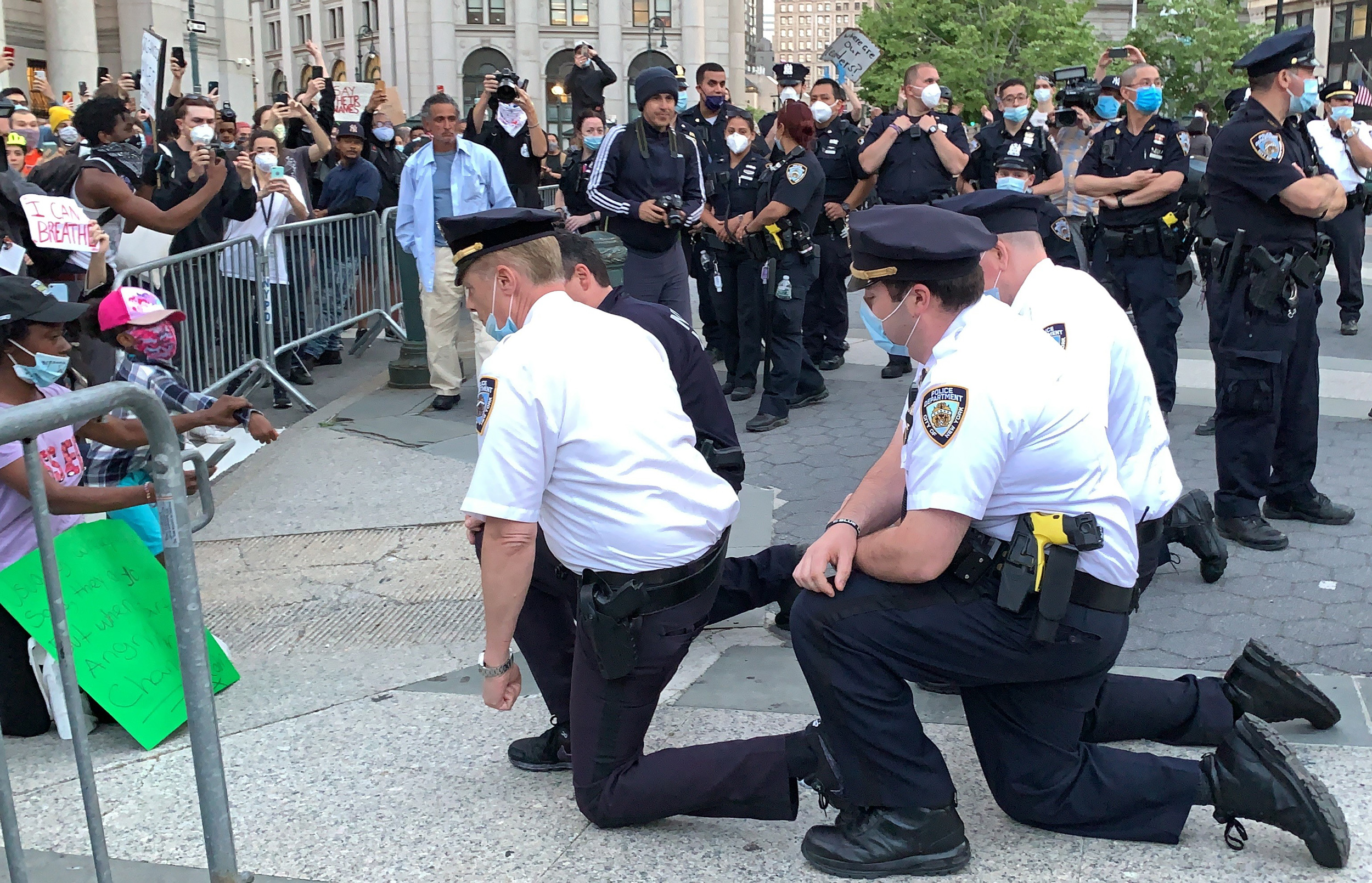 NYPD lieutenant apologizes to colleagues for kneeling during George Floyd  protest