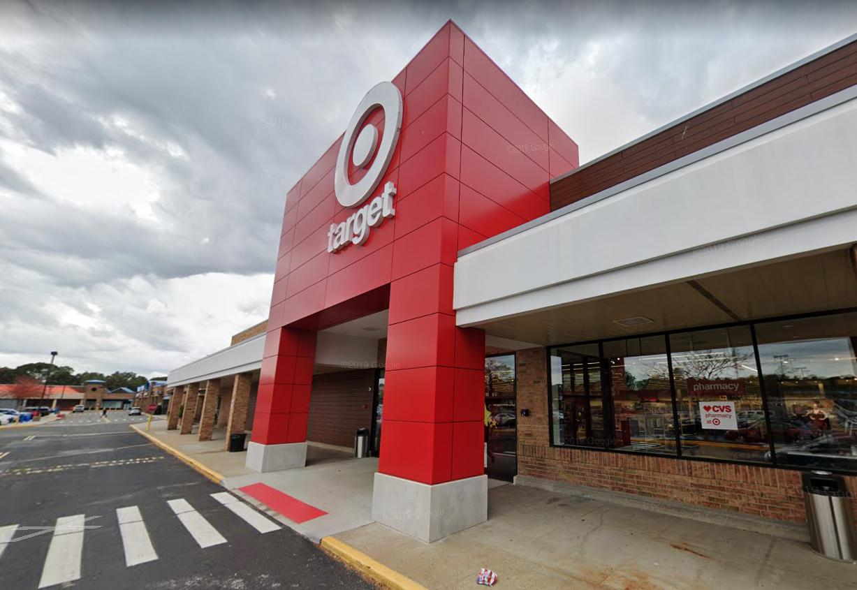 Target-employee-says-customer-demanded-she-remove-Black-Lives-Matter-mask